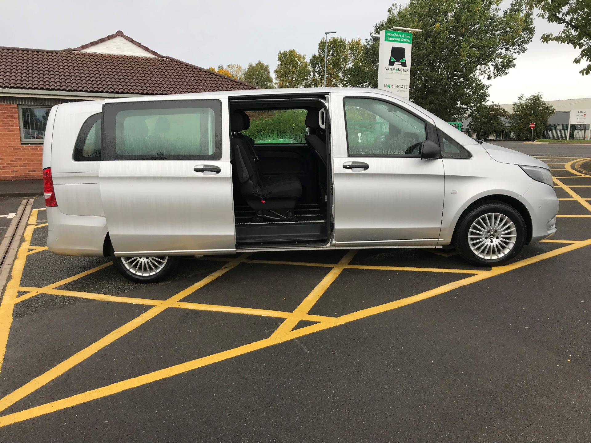 2019 Mercedes-Benz Vito 119 Cdi Select 8-Seater 7G-Tronic (KX19TVT) Image 23