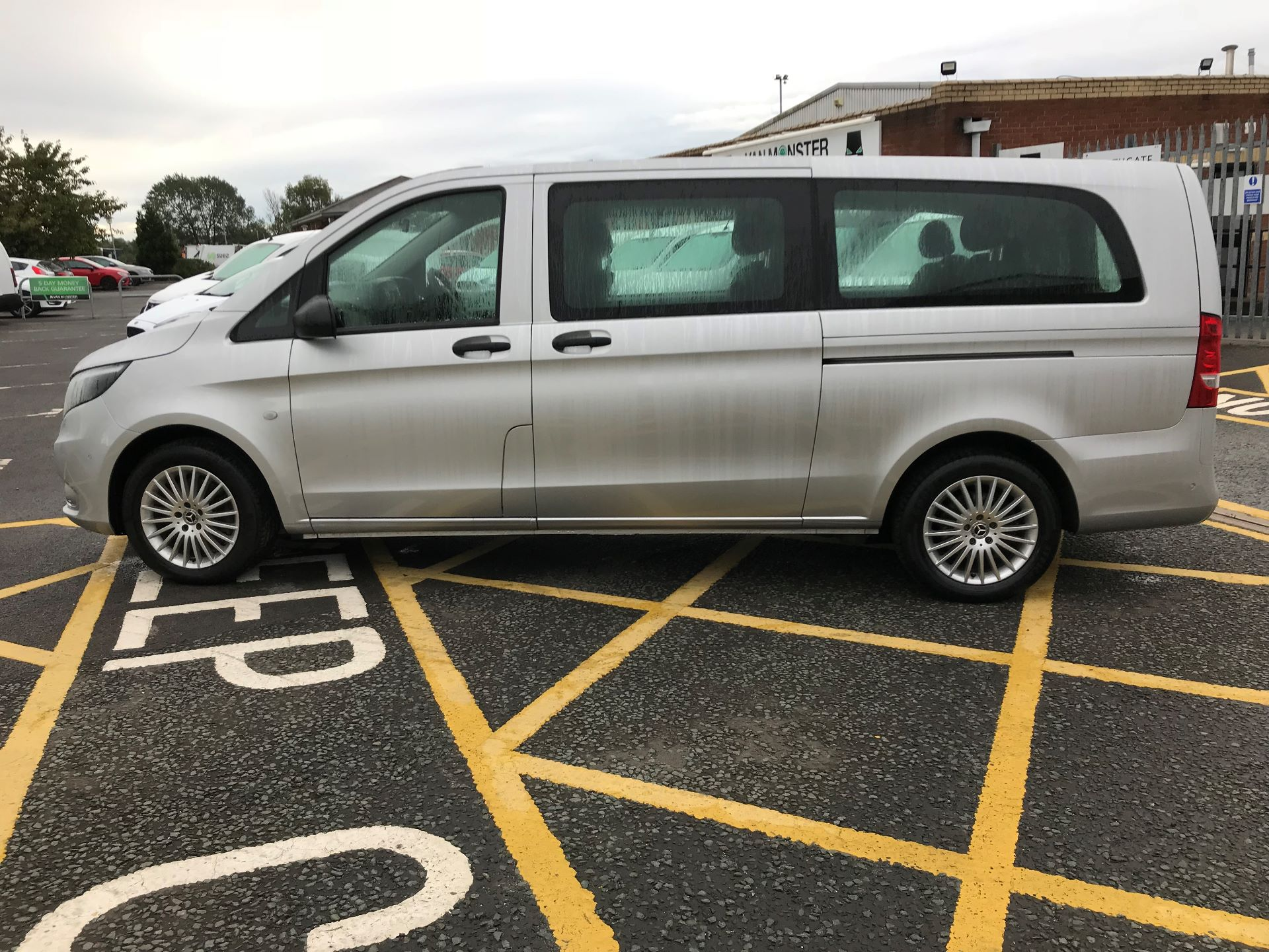 2019 Mercedes-Benz Vito 119 Cdi Select 8-Seater 7G-Tronic (KX19TVT) Image 4