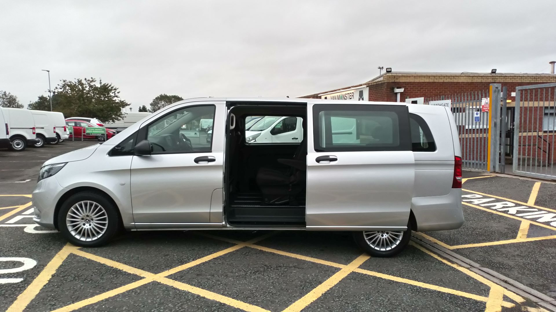 2019 Mercedes-Benz Vito 119 Bluetec Select 8-Seater 7G-Tronic (KX19TXN) Thumbnail 11