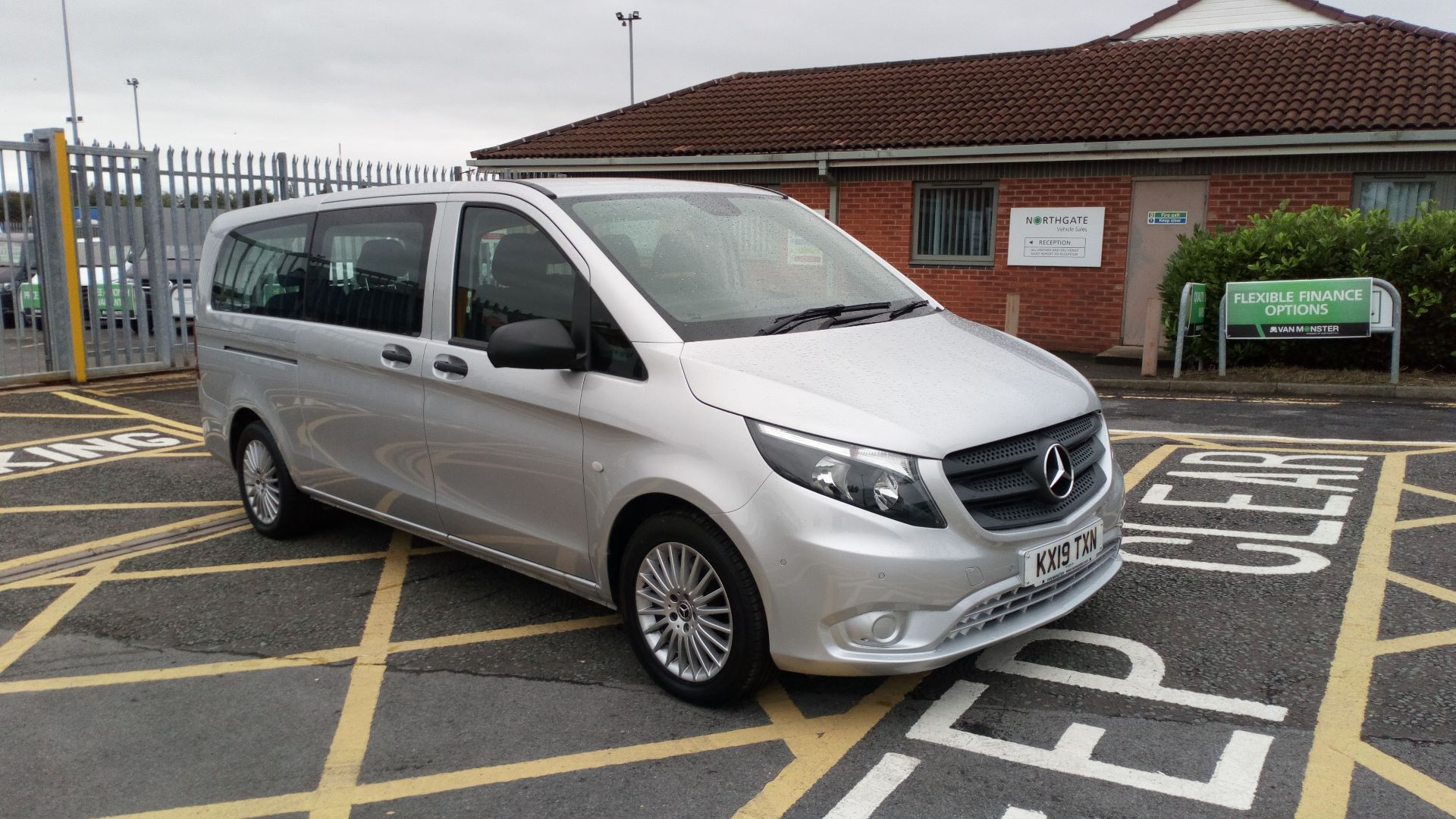 2019 Mercedes-Benz Vito 119 Bluetec Select 8-Seater 7G-Tronic (KX19TXN) Thumbnail 1