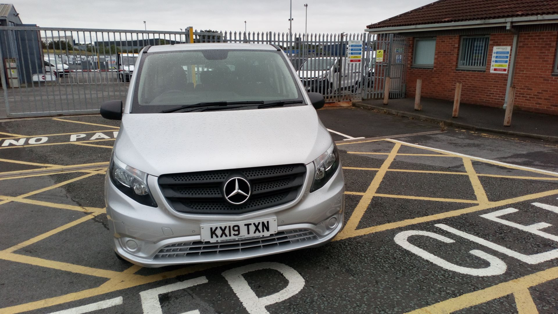2019 Mercedes-Benz Vito 119 Bluetec Select 8-Seater 7G-Tronic (KX19TXN) Thumbnail 2