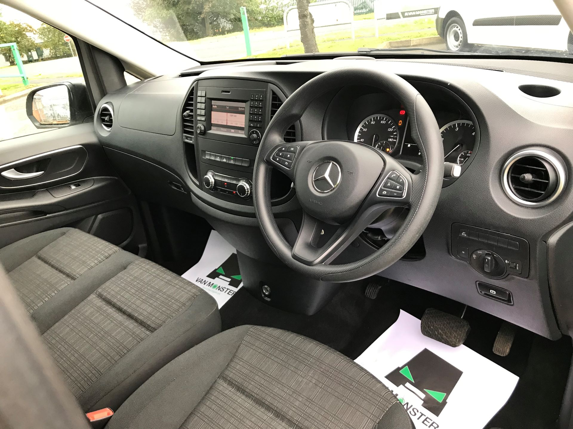 2019 Mercedes-Benz Vito 119 Cdi Select 8-Seater 7G-Tronic (KX19UNV) Image 11