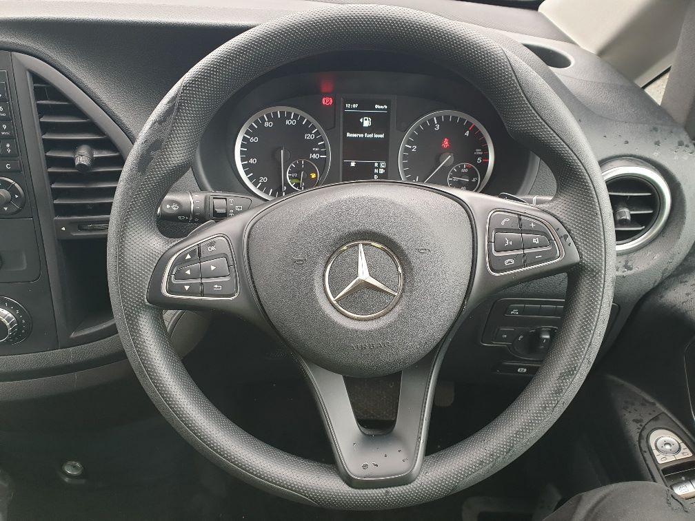 2019 Mercedes-Benz Vito 119 CDI BLUETEC TOURER SELECT AUTO EURO 6 (KX19UOC) Image 19