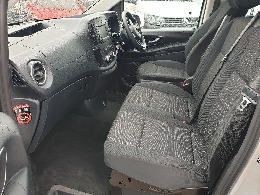 2019 Mercedes-Benz Vito 119 CDI BLUETEC TOURER SELECT AUTO EURO 6 (KX19UOC) Image 5