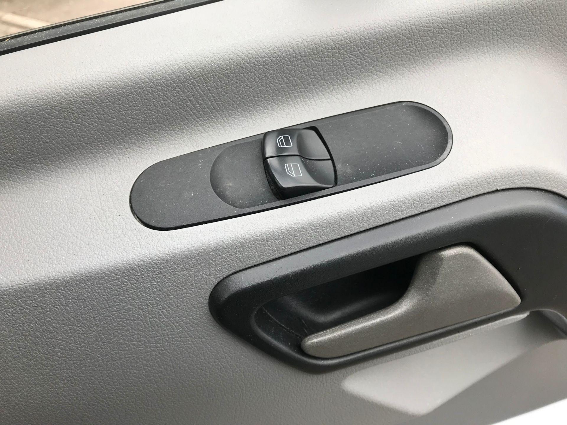 2017 Mercedes-Benz Sprinter 314 LWB H/R VAN EURO 6 (KX67YZC) Image 19