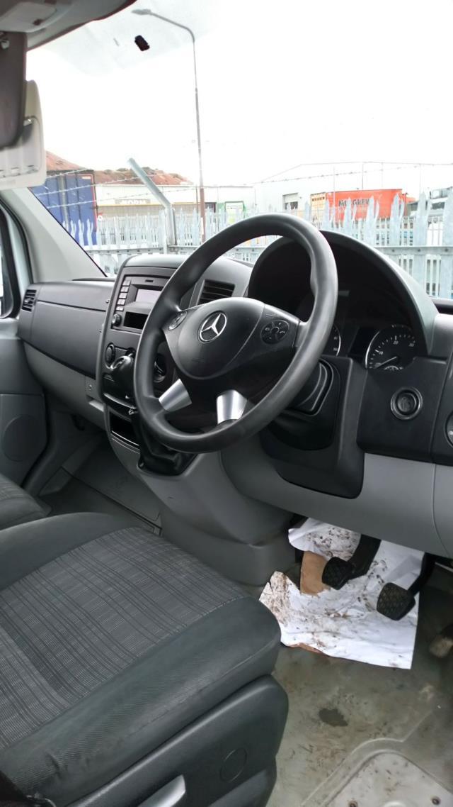 2017 Mercedes-Benz Sprinter 3.5T High Roof Van (KY17GWW) Image 33