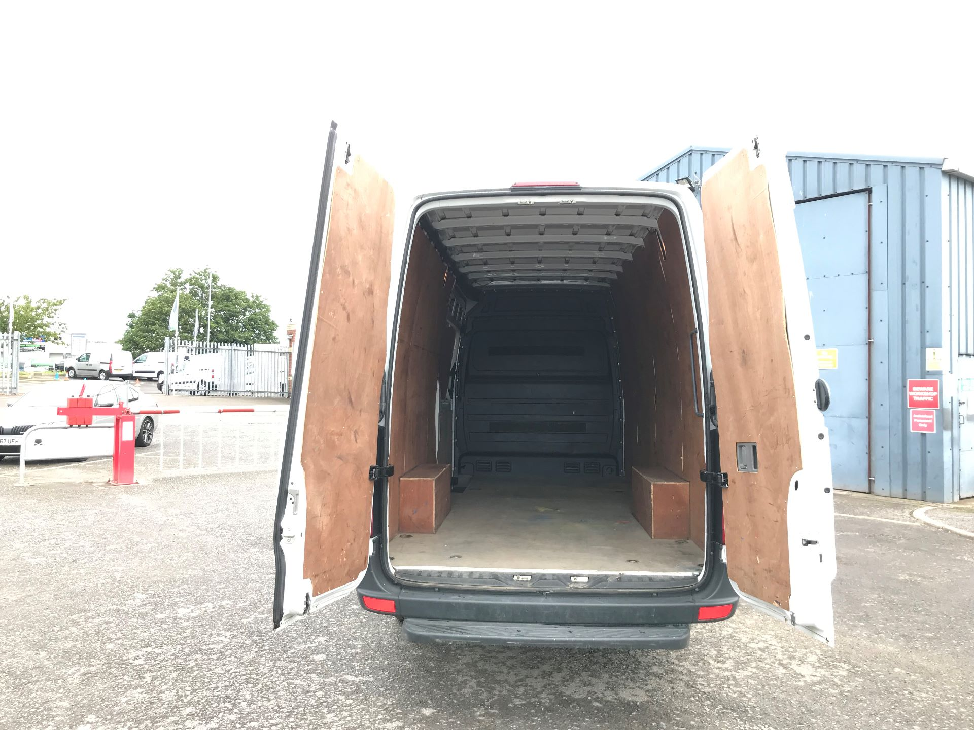 2017 Mercedes-Benz Sprinter 3.5T High Roof Van *VALUE RANGE VEHICLE CONDITION REFLECTED IN PRICE* (KY17GXT) Image 15