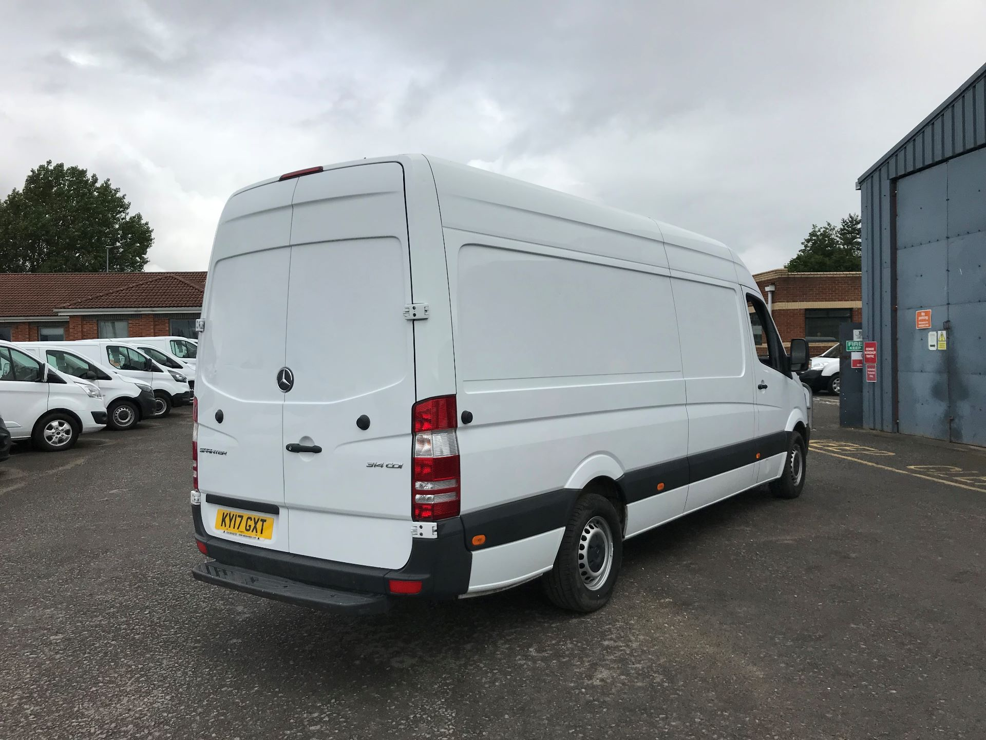 2017 Mercedes-Benz Sprinter 3.5T High Roof Van *VALUE RANGE VEHICLE CONDITION REFLECTED IN PRICE* (KY17GXT) Image 4