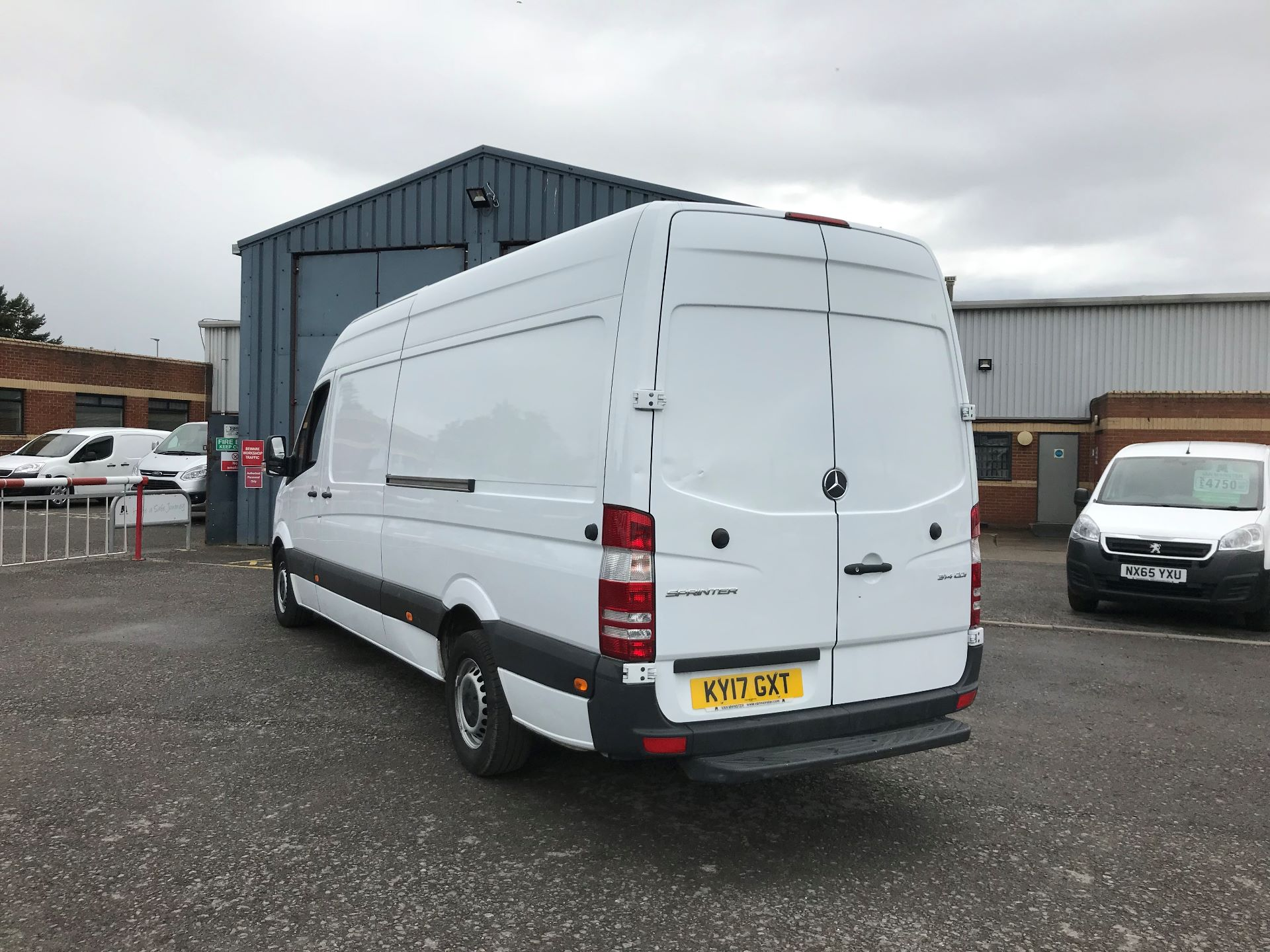 2017 Mercedes-Benz Sprinter 3.5T High Roof Van *VALUE RANGE VEHICLE CONDITION REFLECTED IN PRICE* (KY17GXT) Image 6