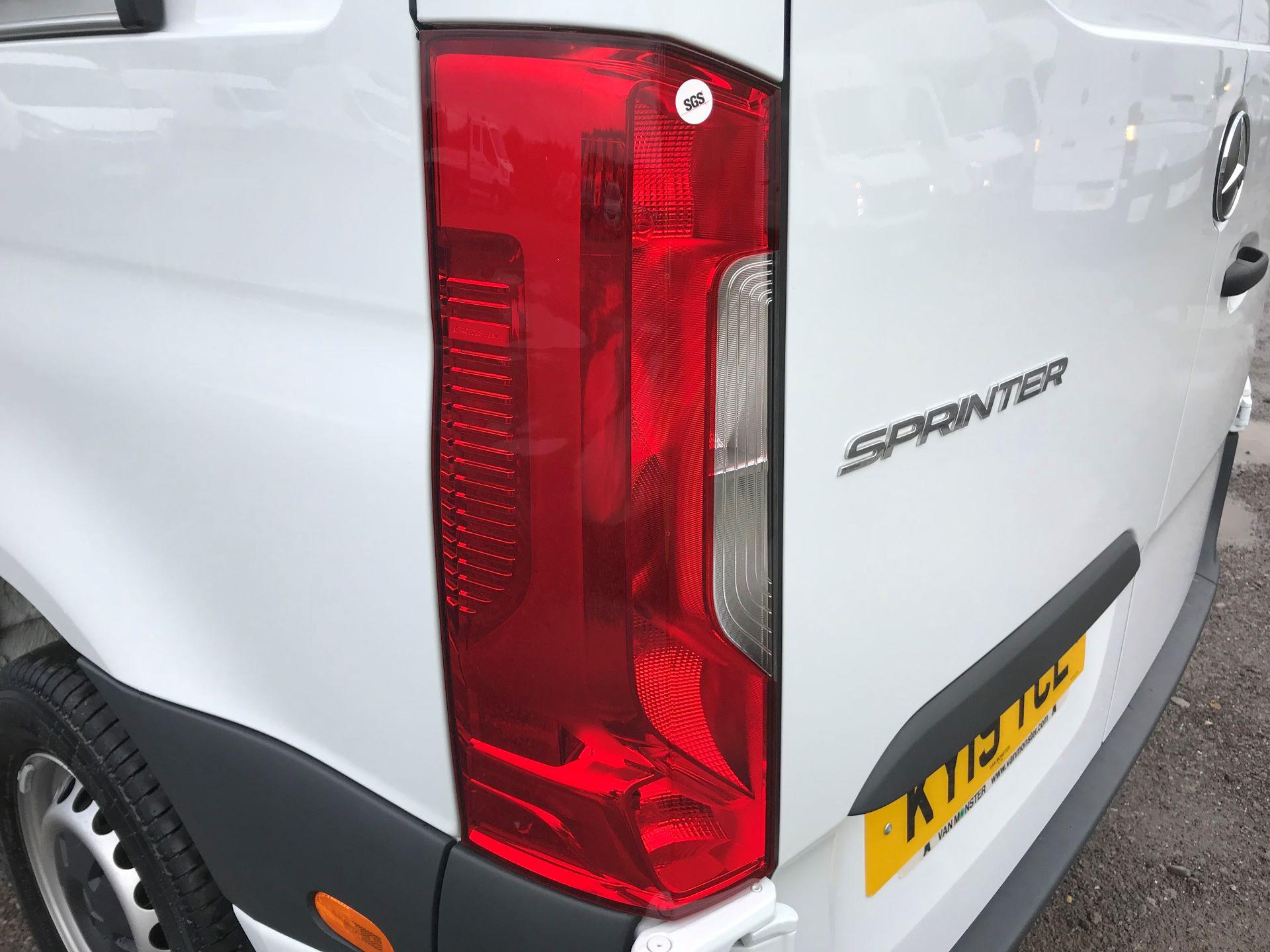 2019 Mercedes-Benz Sprinter 3.5T L2 H2 FWD Van (KY19TCL) Image 31