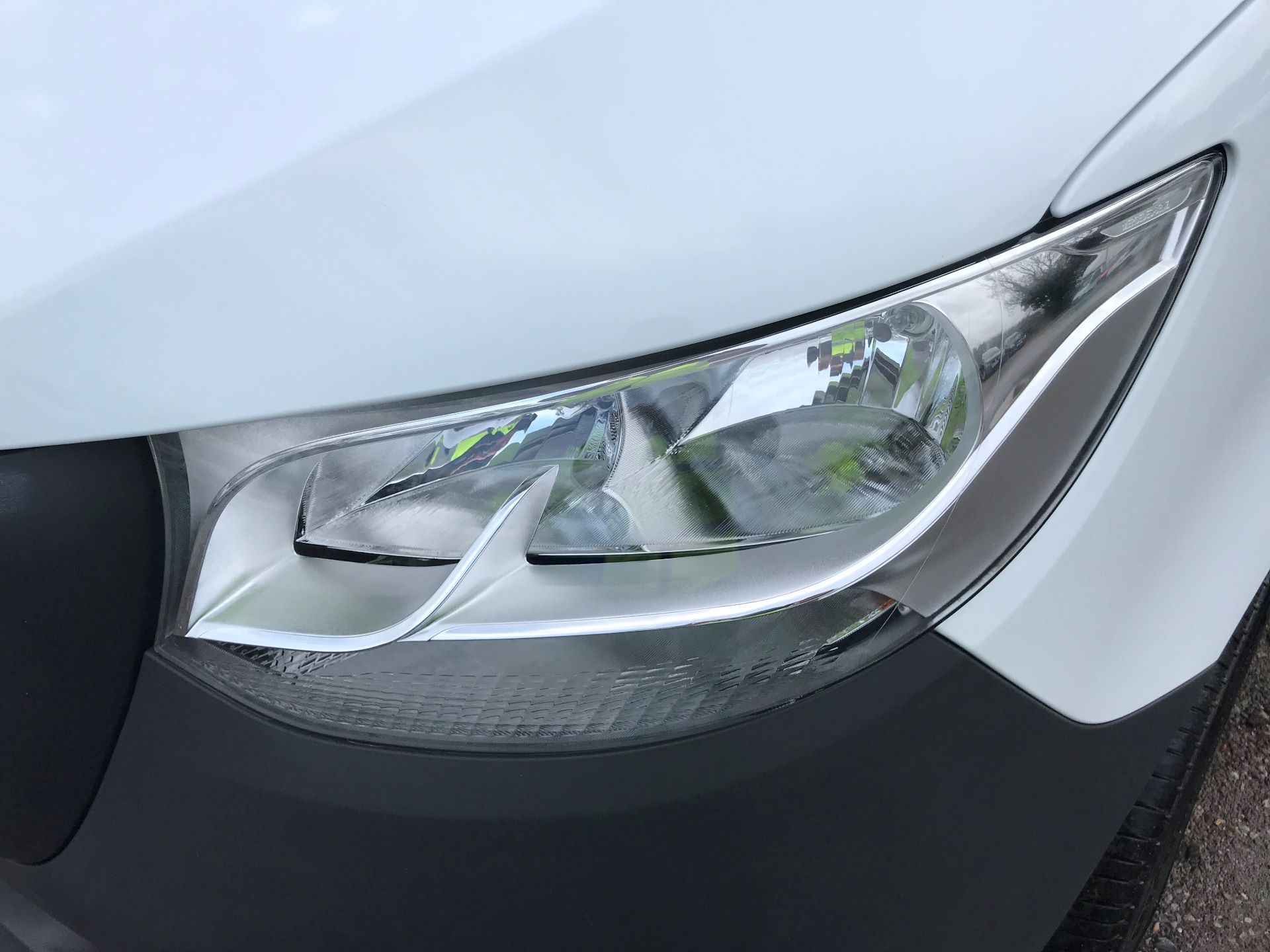 2019 Mercedes-Benz Sprinter 3.5T L2 H2 FWD Van (KY19TCL) Image 26