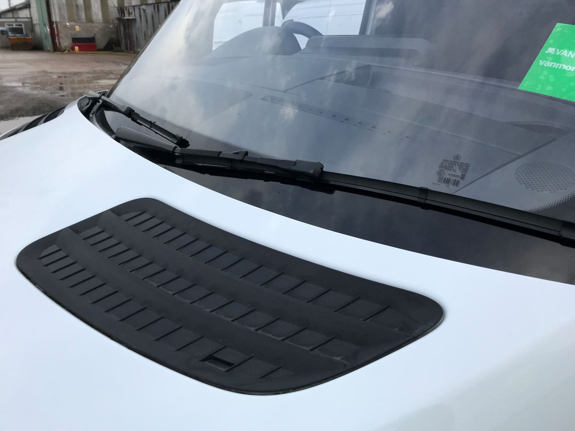 2019 Mercedes-Benz Sprinter 3.5T L2 H2 FWD Van (KY19TCL) Image 29