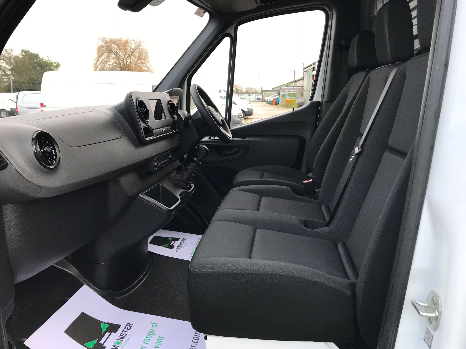 2019 Mercedes-Benz Sprinter 3.5T L2 H2 FWD Van (KY19TCL) Image 14