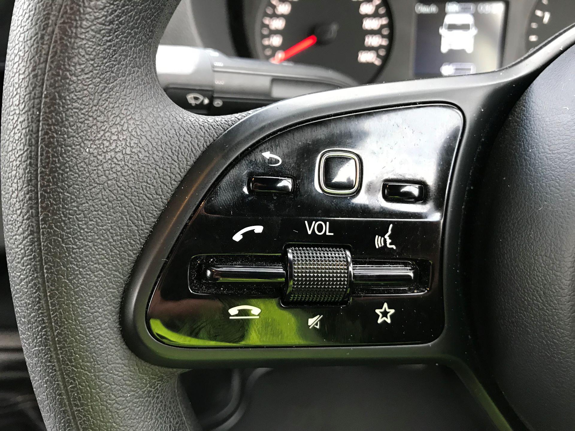 2019 Mercedes-Benz Sprinter 3.5T L2 H2 FWD Van (KY19TCL) Image 19