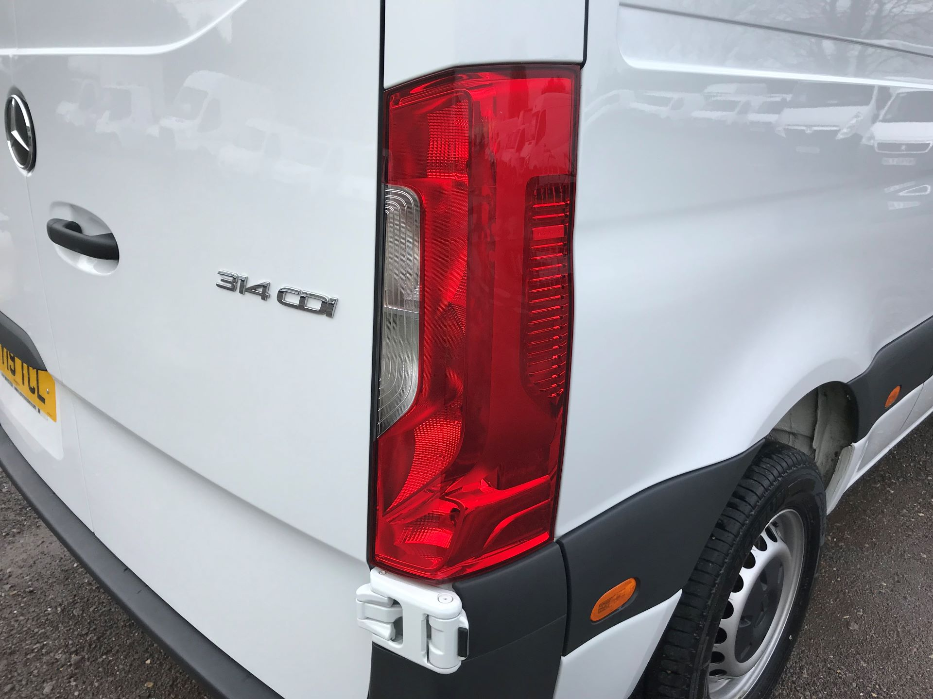 2019 Mercedes-Benz Sprinter 3.5T L2 H2 FWD Van (KY19TCL) Image 32
