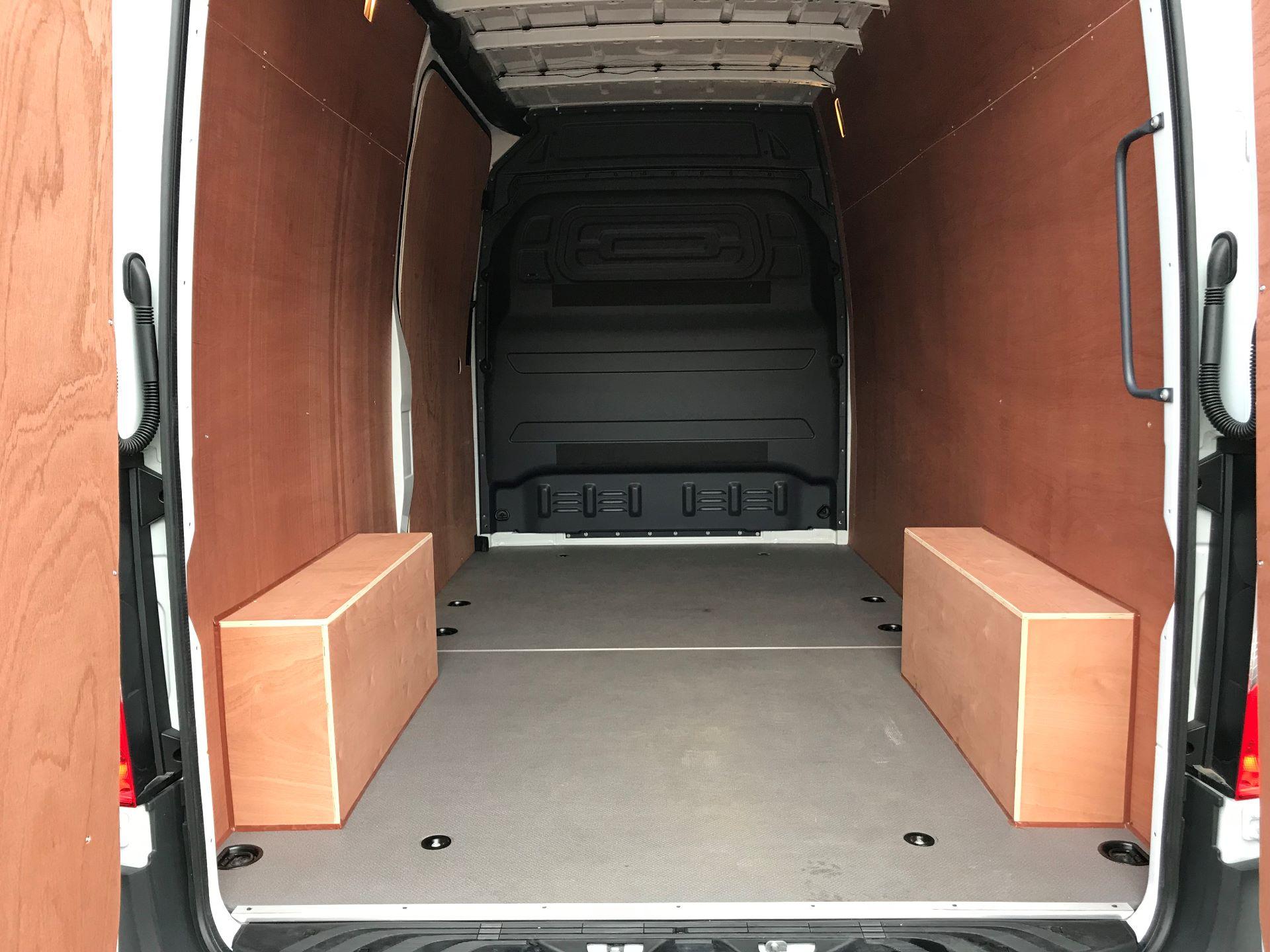 2019 Mercedes-Benz Sprinter 3.5T L2 H2 FWD Van (KY19TCL) Image 12