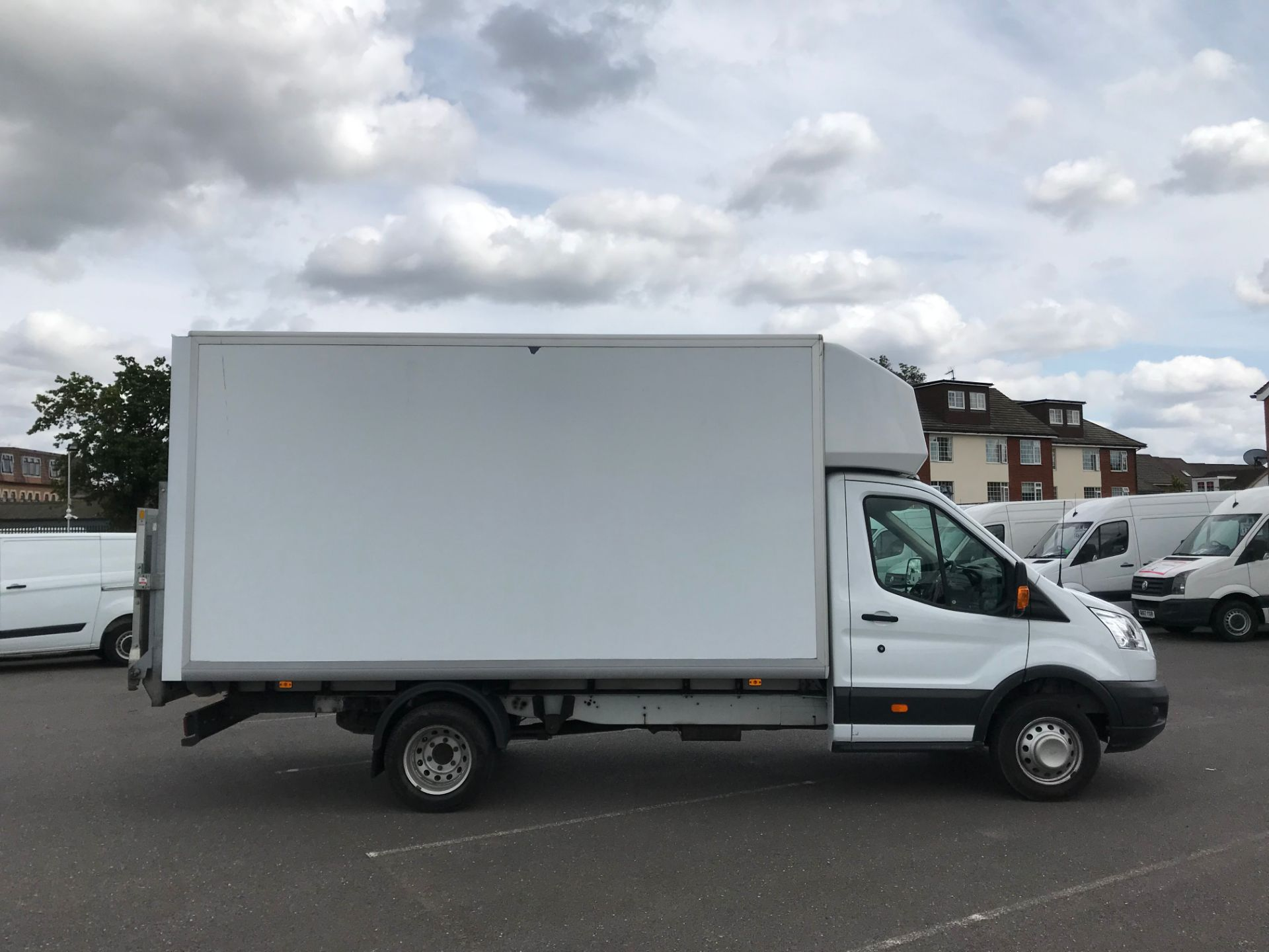 2015 Ford Transit   350 L4 LUTON 125PS EURO 5 (KY65ZFF) Image 8