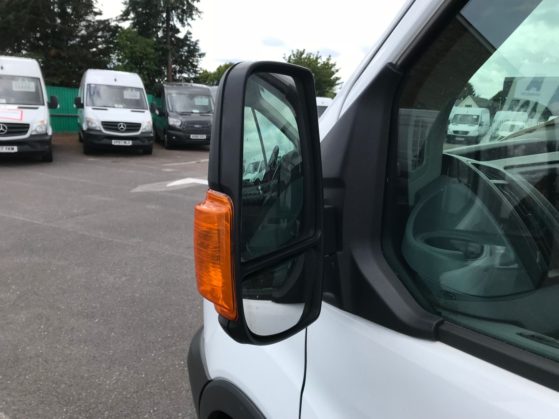 2015 Ford Transit   350 L4 LUTON 125PS EURO 5 (KY65ZFF) Image 10
