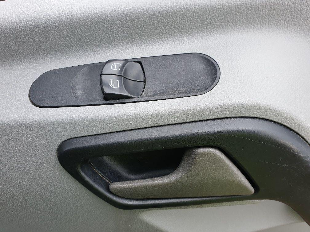 2017 Mercedes-Benz Sprinter 3.5T High Roof Van (KY66BNU) Image 16