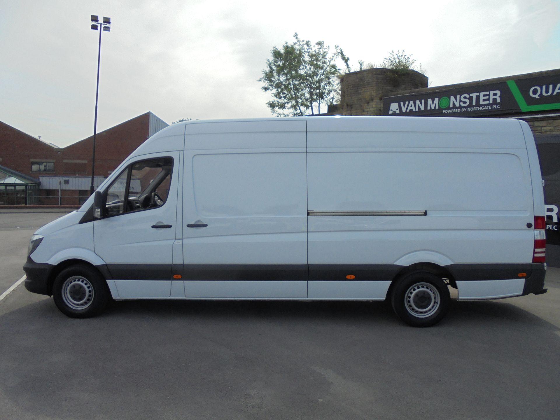2018 Mercedes-Benz Sprinter 3.5T High Roof Van LWB (KY67LYS) Image 4