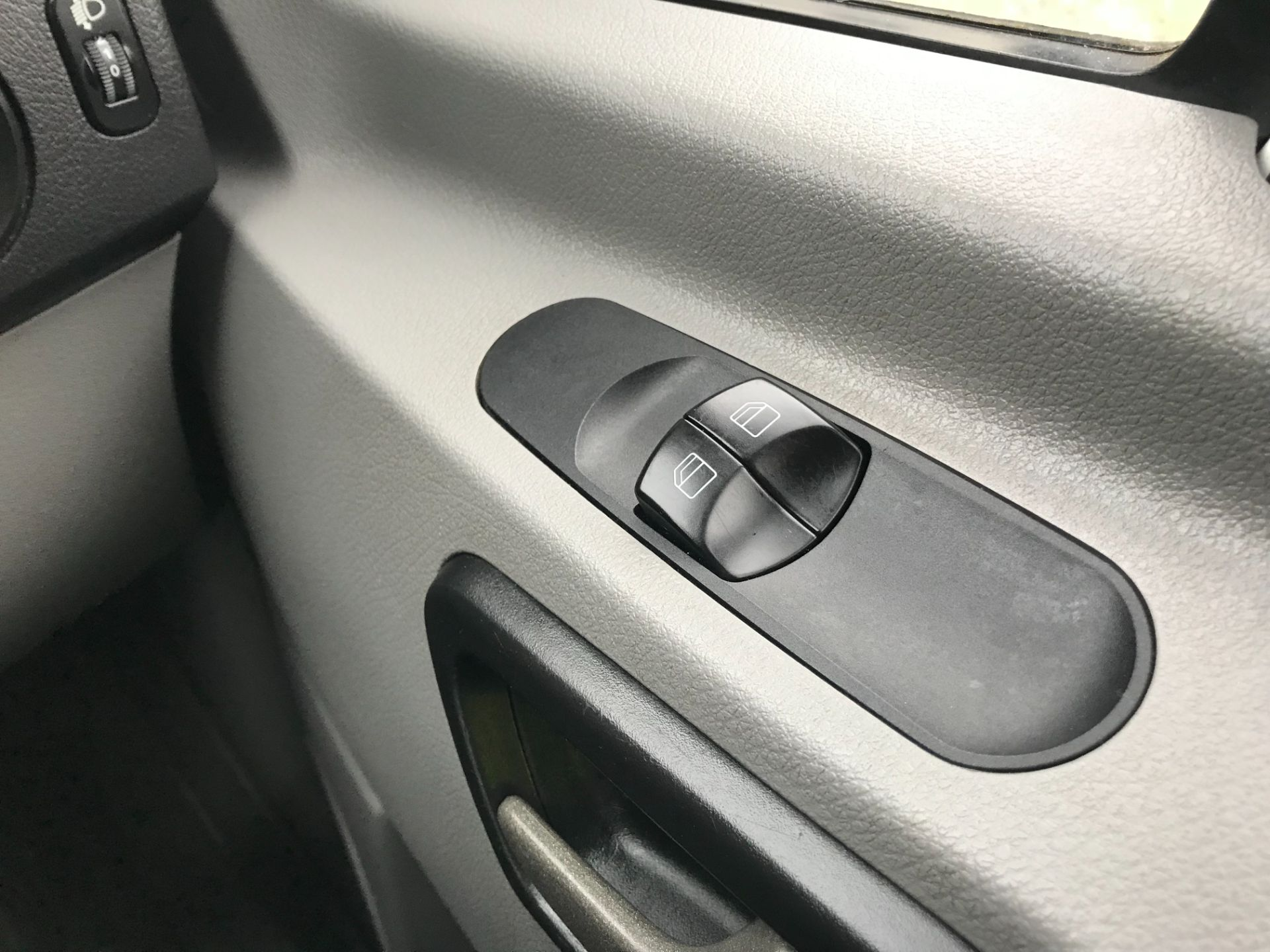 2017 Mercedes-Benz Sprinter 314 LWB LUTON EURO 6 With Tail Lift (KY67MFF) Image 31