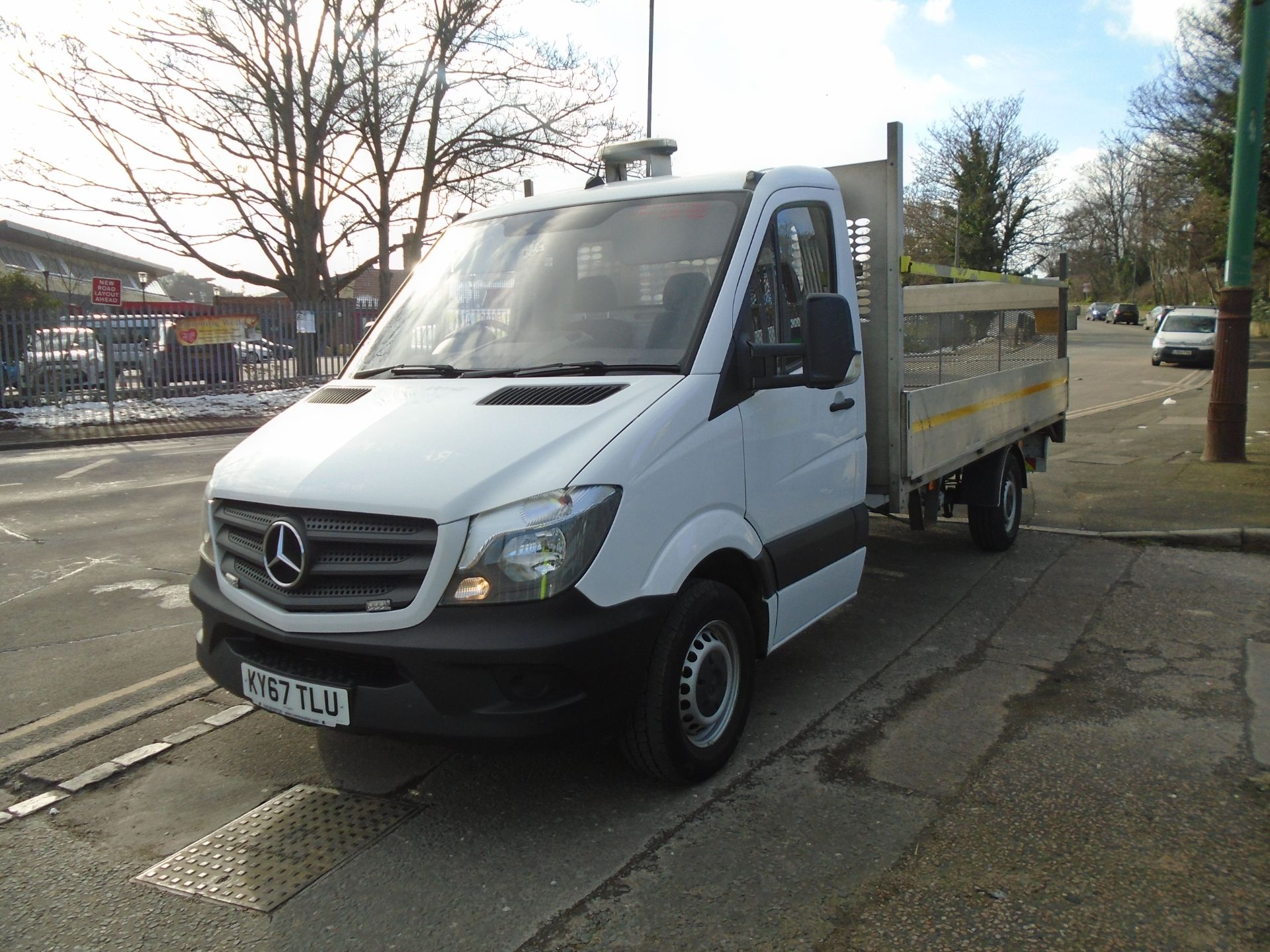 2017 Mercedes-Benz Sprinter 3.5T Chassis Cab *EURO 6* (KY67TLU) Image 3