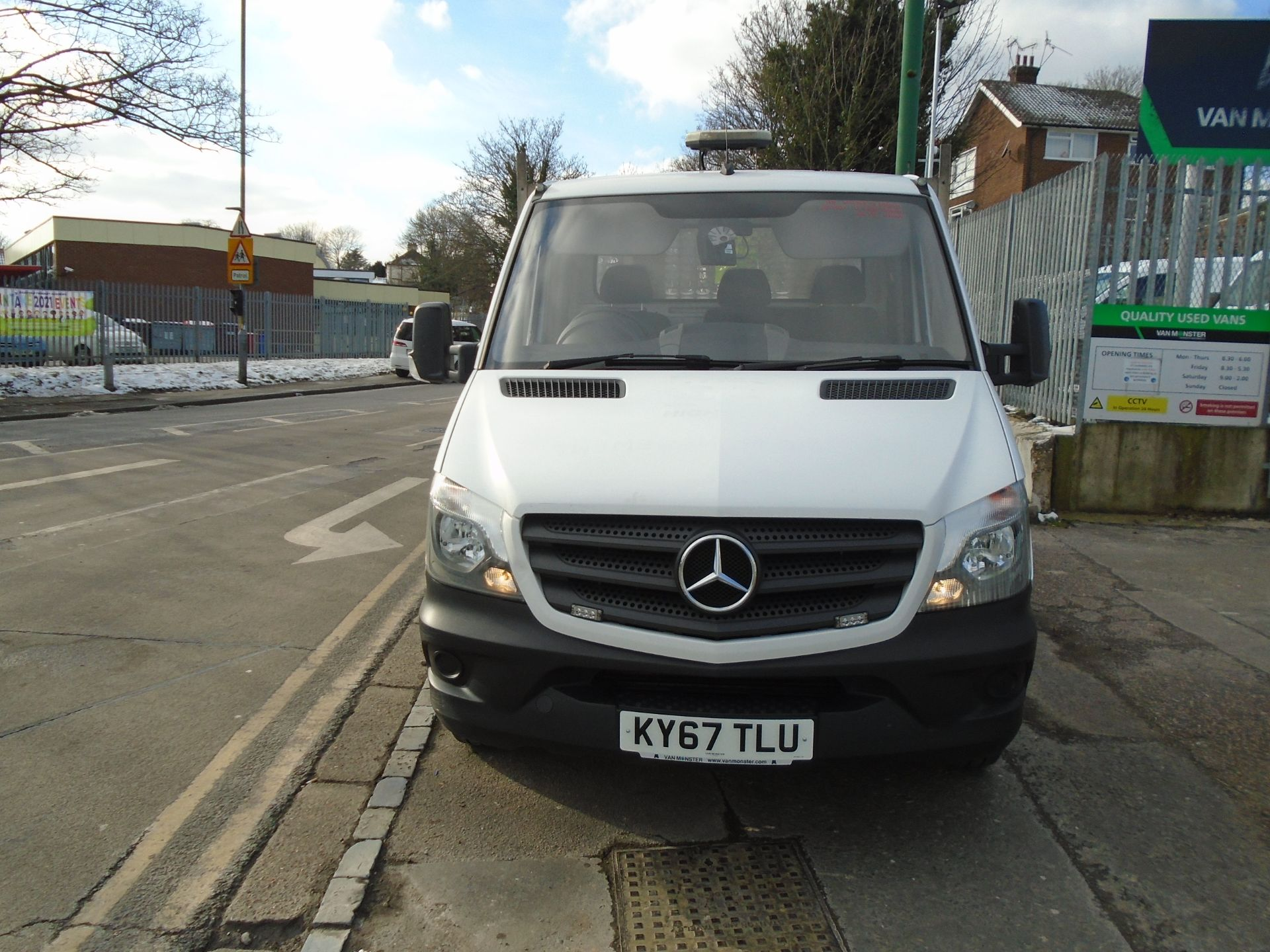 2017 Mercedes-Benz Sprinter 3.5T Chassis Cab *EURO 6* (KY67TLU) Image 2