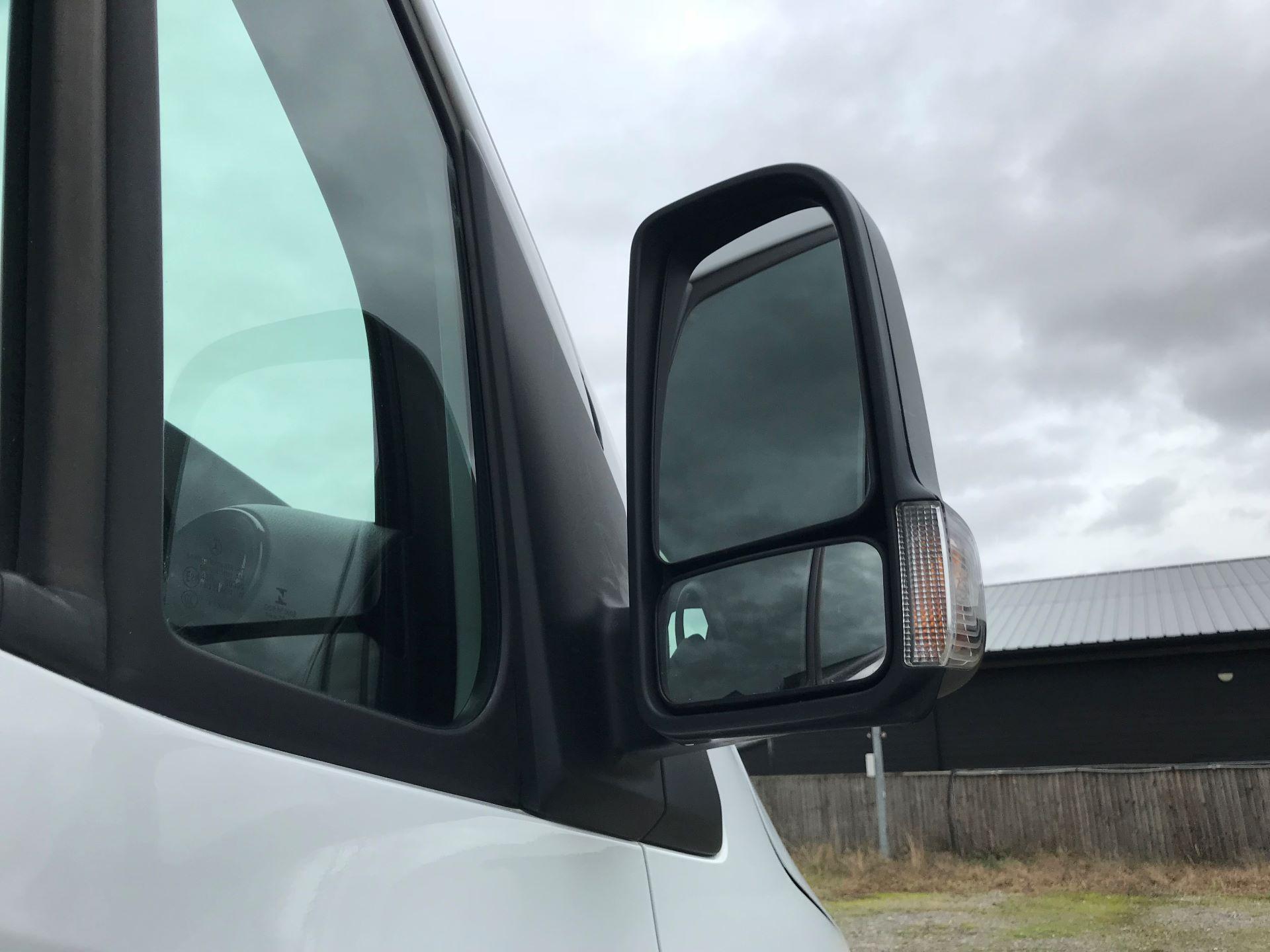 2018 Mercedes-Benz Sprinter 3.5T H2 Van (KY68UGT) Image 13