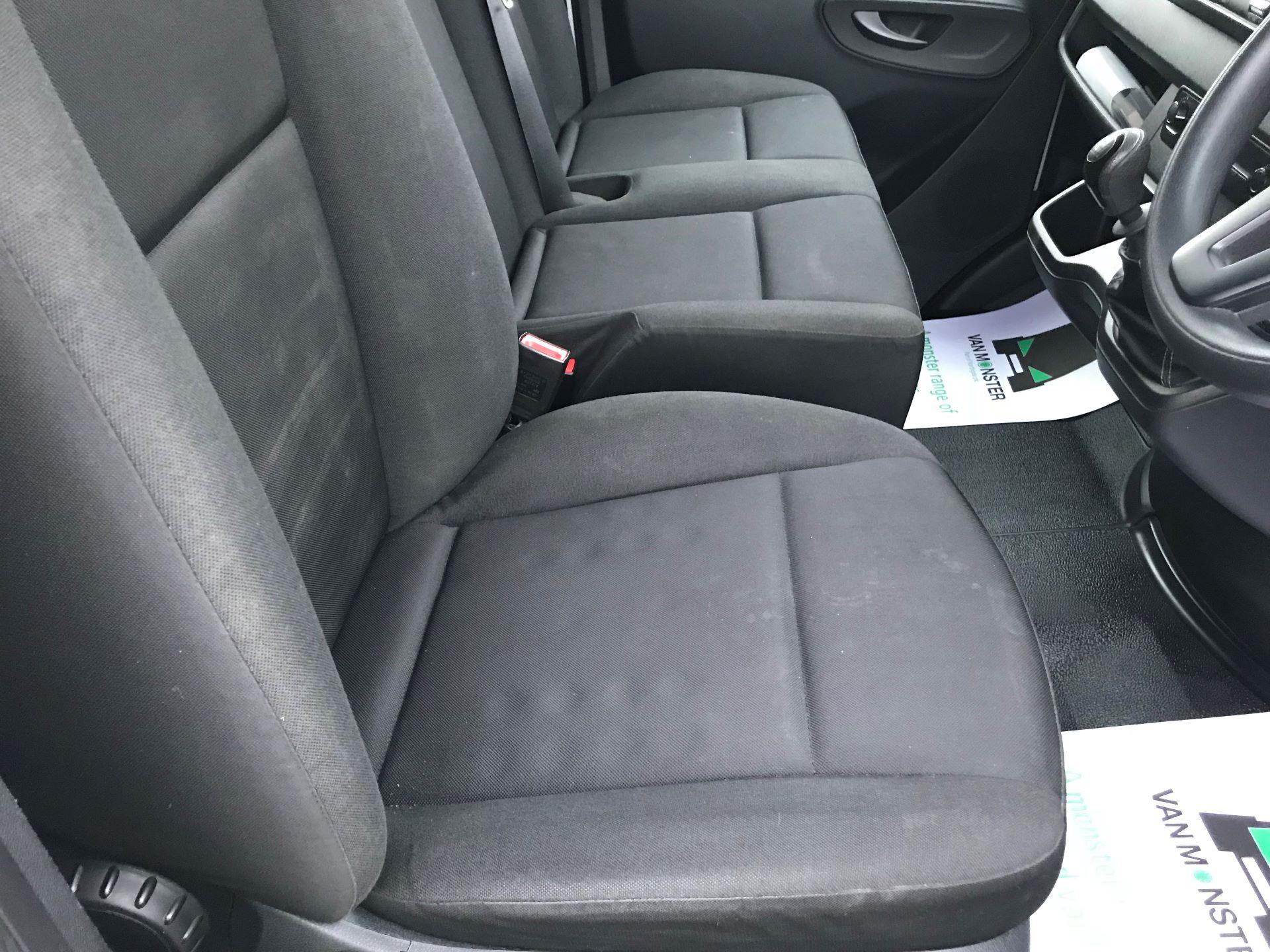 2018 Mercedes-Benz Sprinter 3.5T H2 Van (KY68UGT) Image 23
