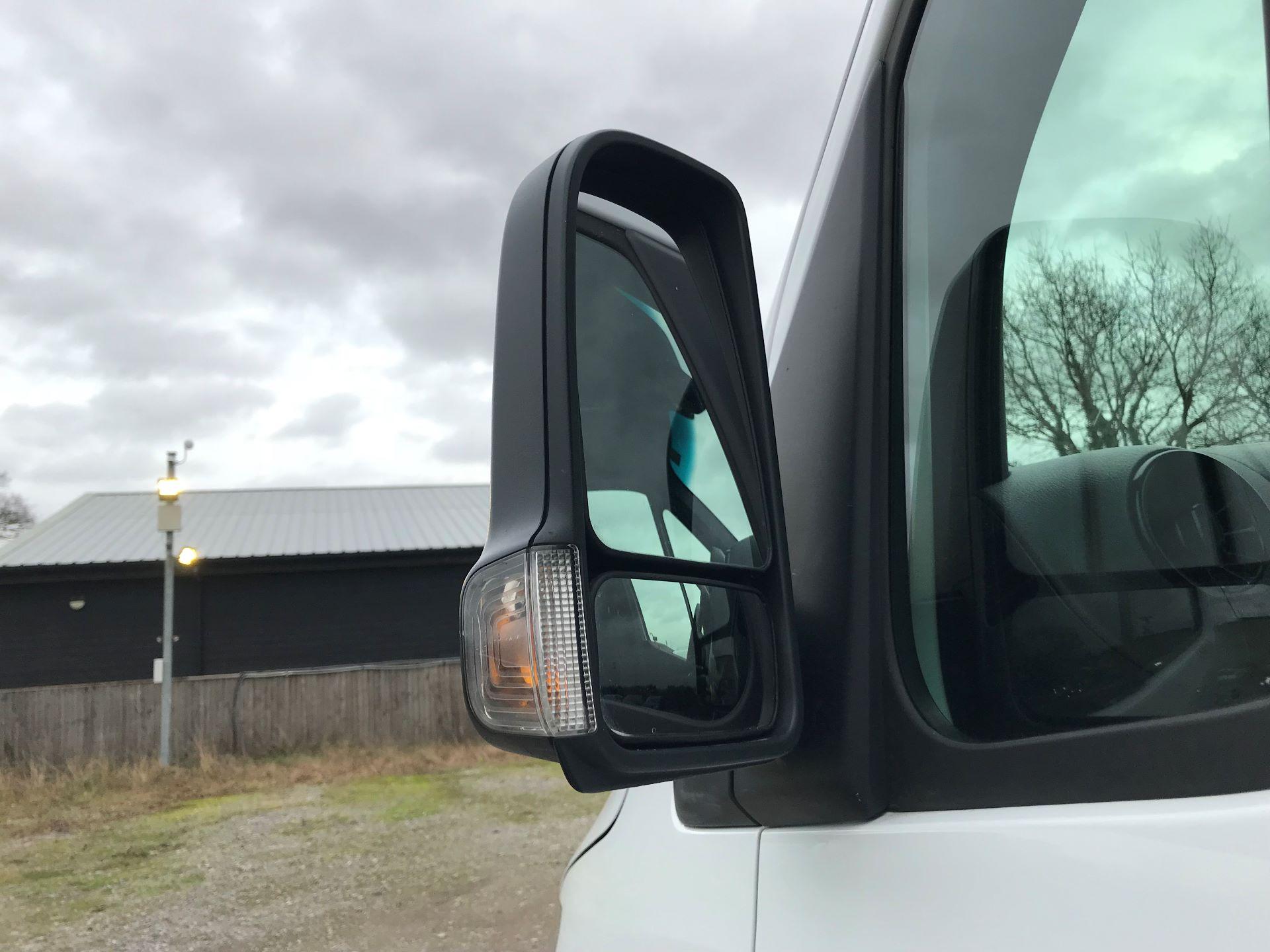 2018 Mercedes-Benz Sprinter 3.5T H2 Van (KY68UGT) Image 12