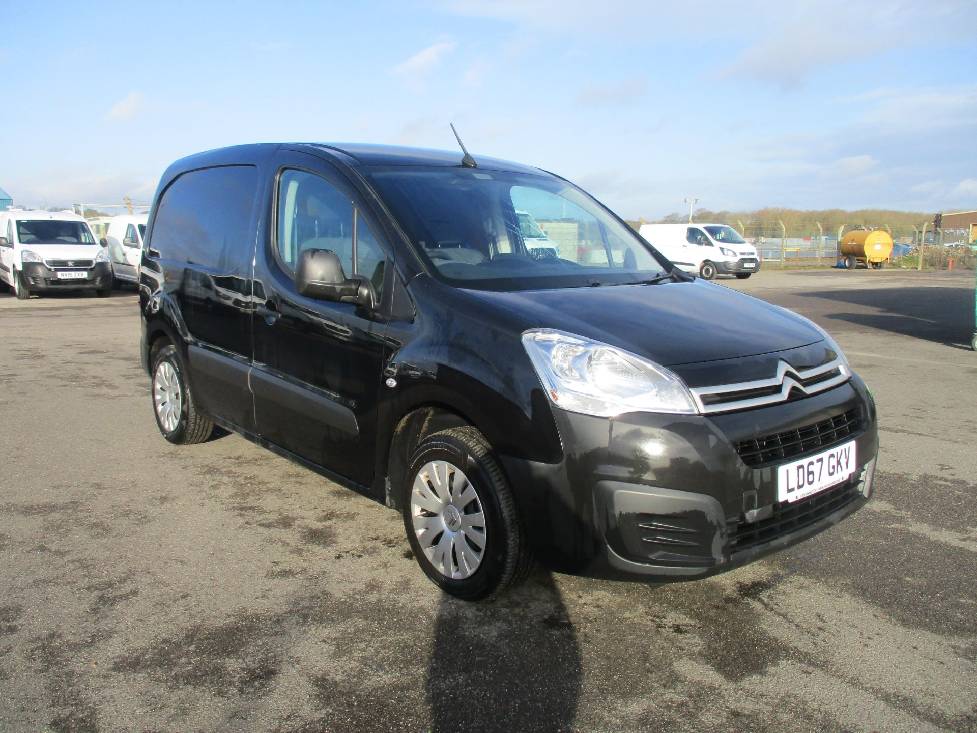 2017 Citroen Berlingo L1 DIESEL 1.6 BLUE HDI 625KG ENTERPRISE 75PS EURO 6. AIR CON, SAT NAV, 3 SEATER (LD67GKV)