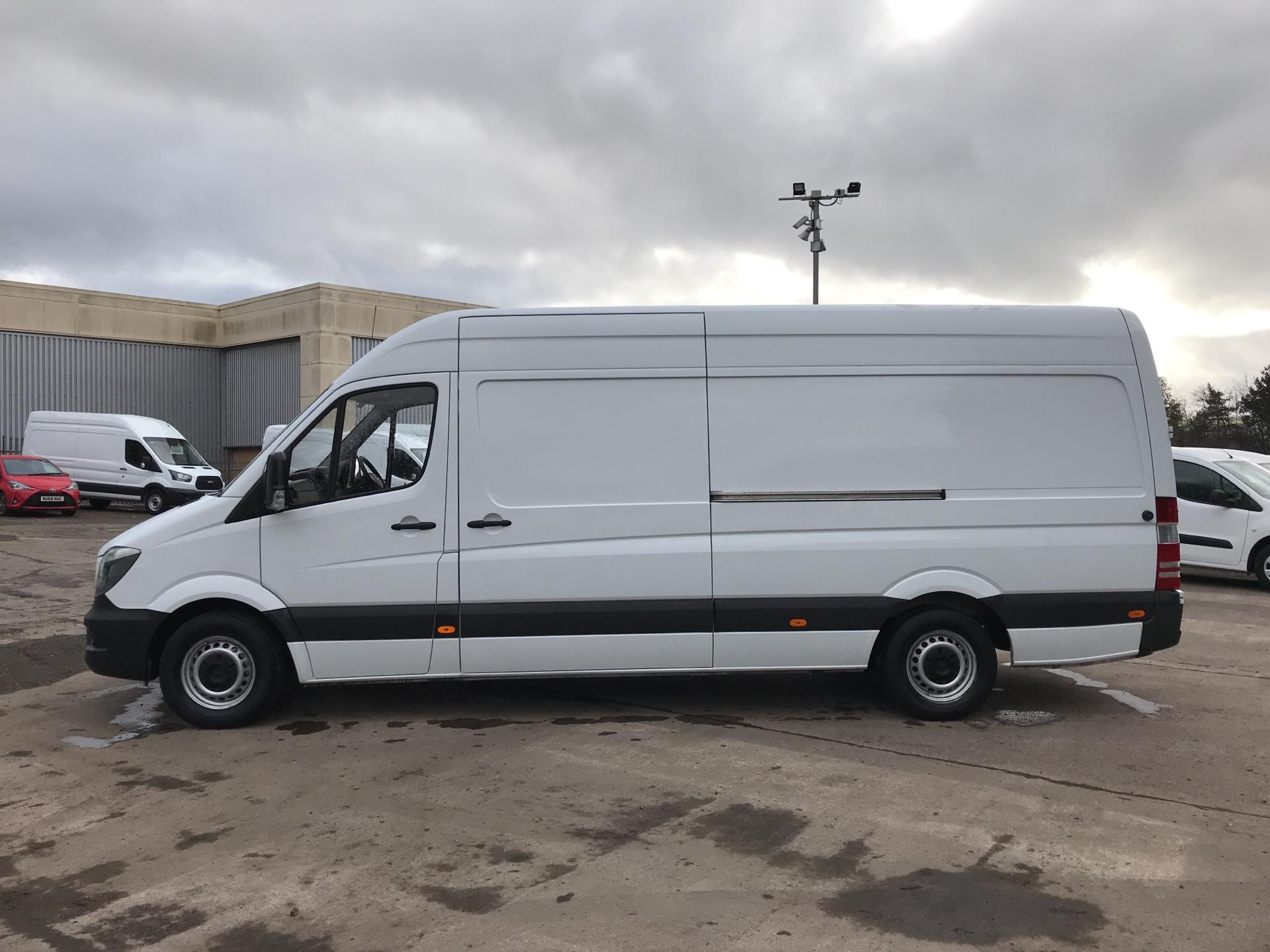2017 Mercedes-Benz Sprinter 314 CDI LWB HIGH ROOF VAN EURO 6 (LK67PXF) Image 6