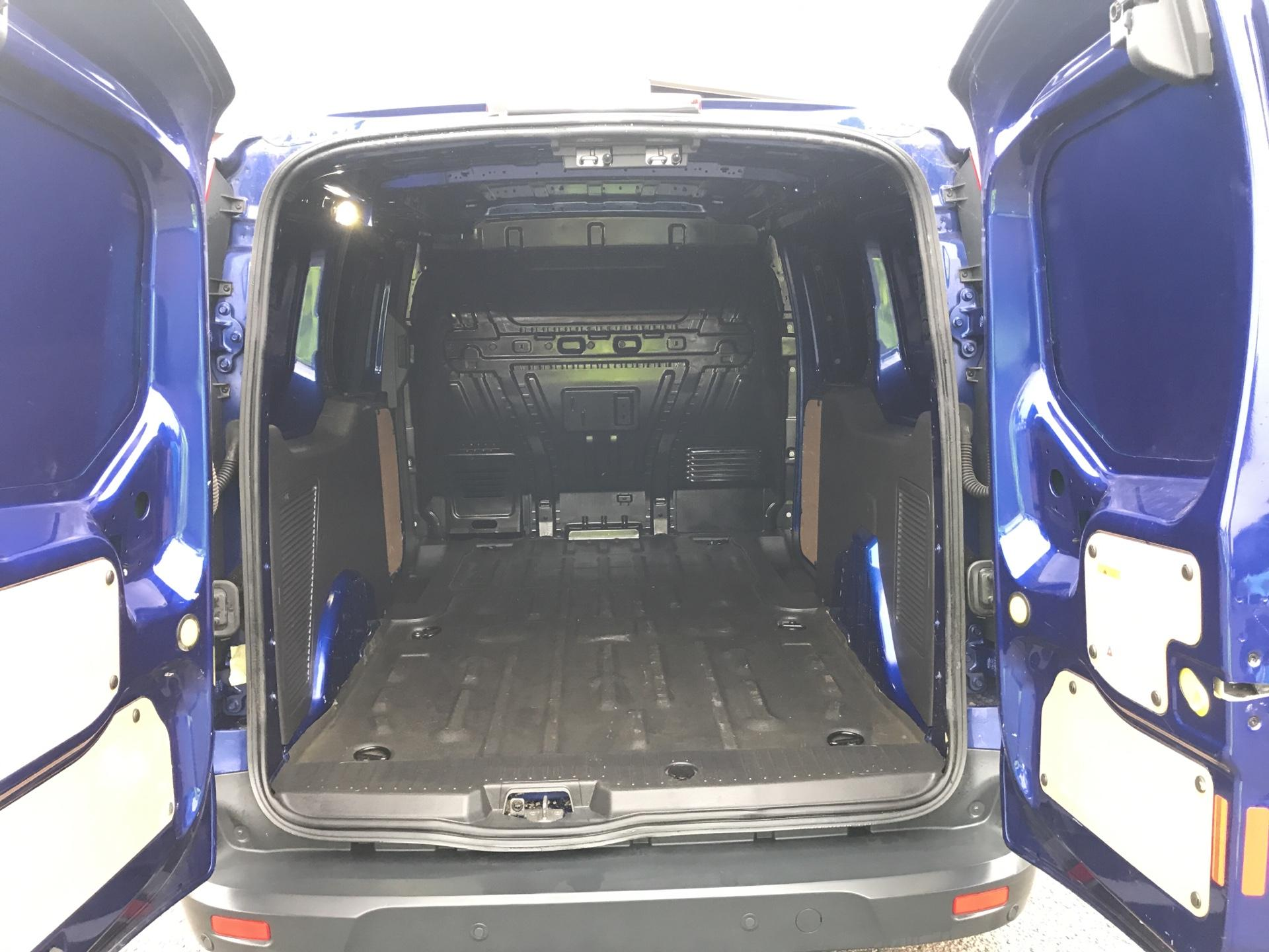 2017 Ford Transit Connect 1.5 Tdci L2 120Ps Limited Van EURO 6 (LN67KFA) Image 18