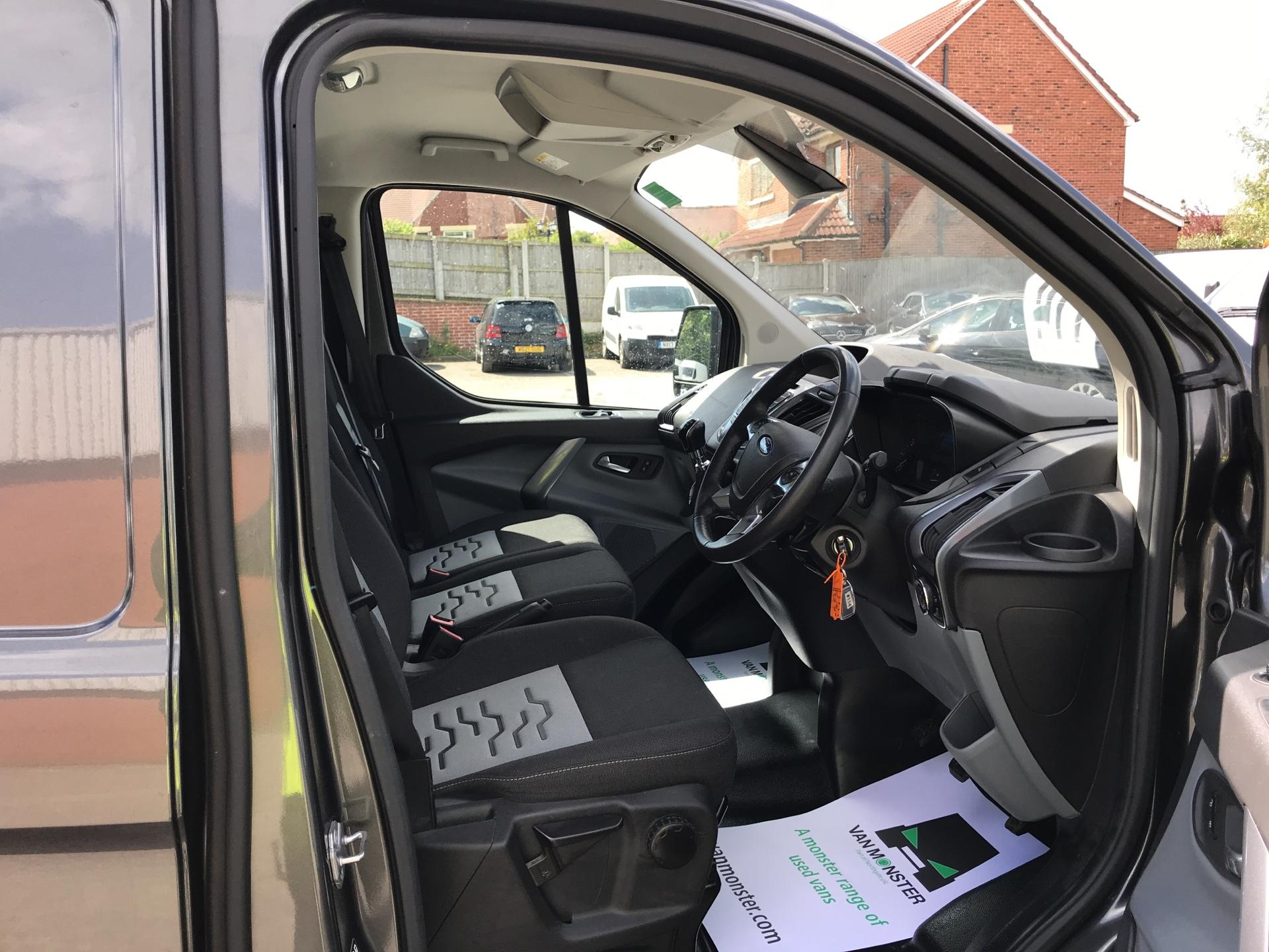 2016 Ford Transit Custom 2.2 Tdci 155Ps Low Roof Limited Van EURO 5 (MA16FMP) Image 9