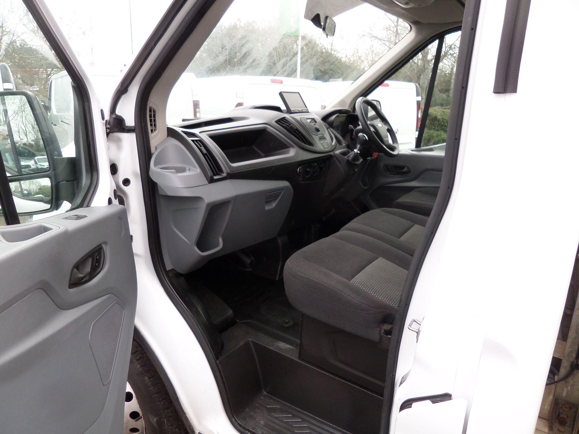 2017 Ford Transit 2.0 Tdci 130Ps L4 Dropside Euro 6 (MA17NHF) Image 6