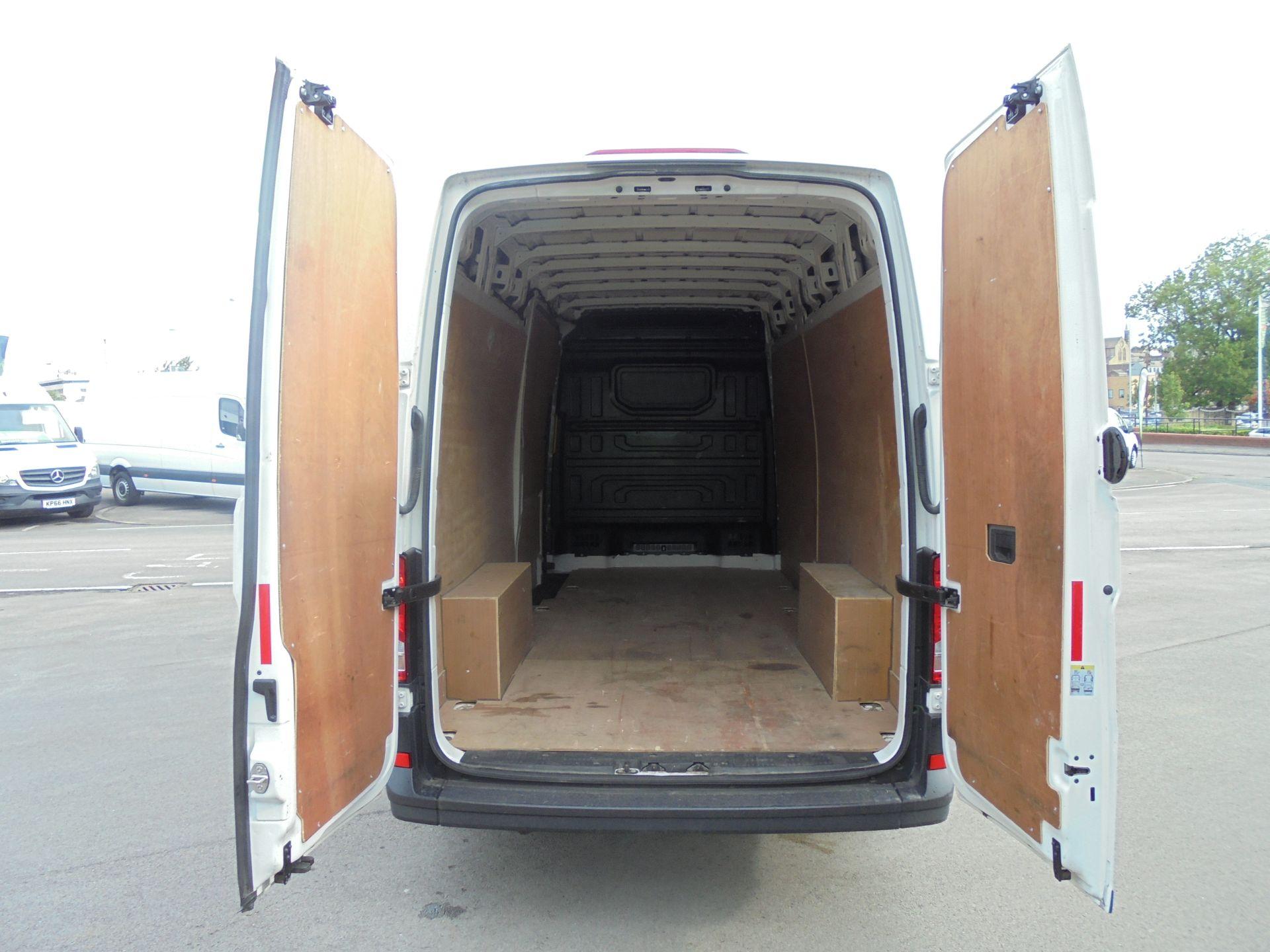 2018 Volkswagen Crafter 2.0 Tdi 102Ps Startline High Roof Van (MJ18EZW) Image 18