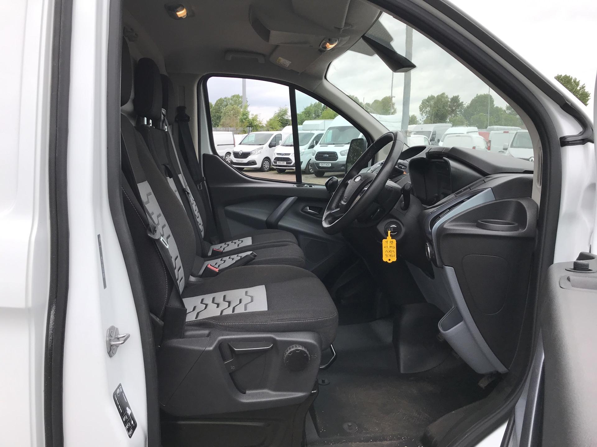 2016 Ford Transit Custom 290 L1 DIESEL FWD 2.2 TDCI 125 PS LOW ROOF LIMITED VAN EURO 5 (MK16WXV) Image 9