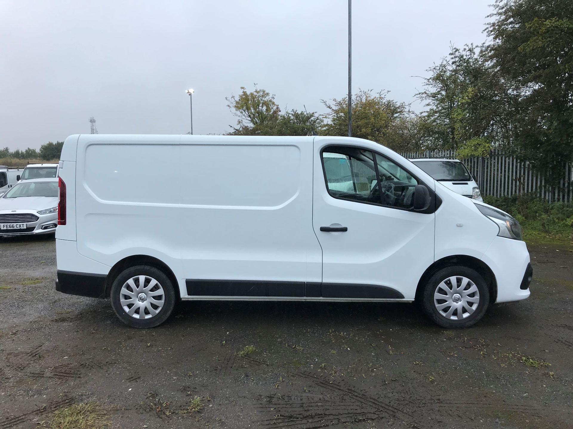 2016 Renault Trafic Sl27 Energy Dci 120 Business+ Van (MM16FFY) Image 8