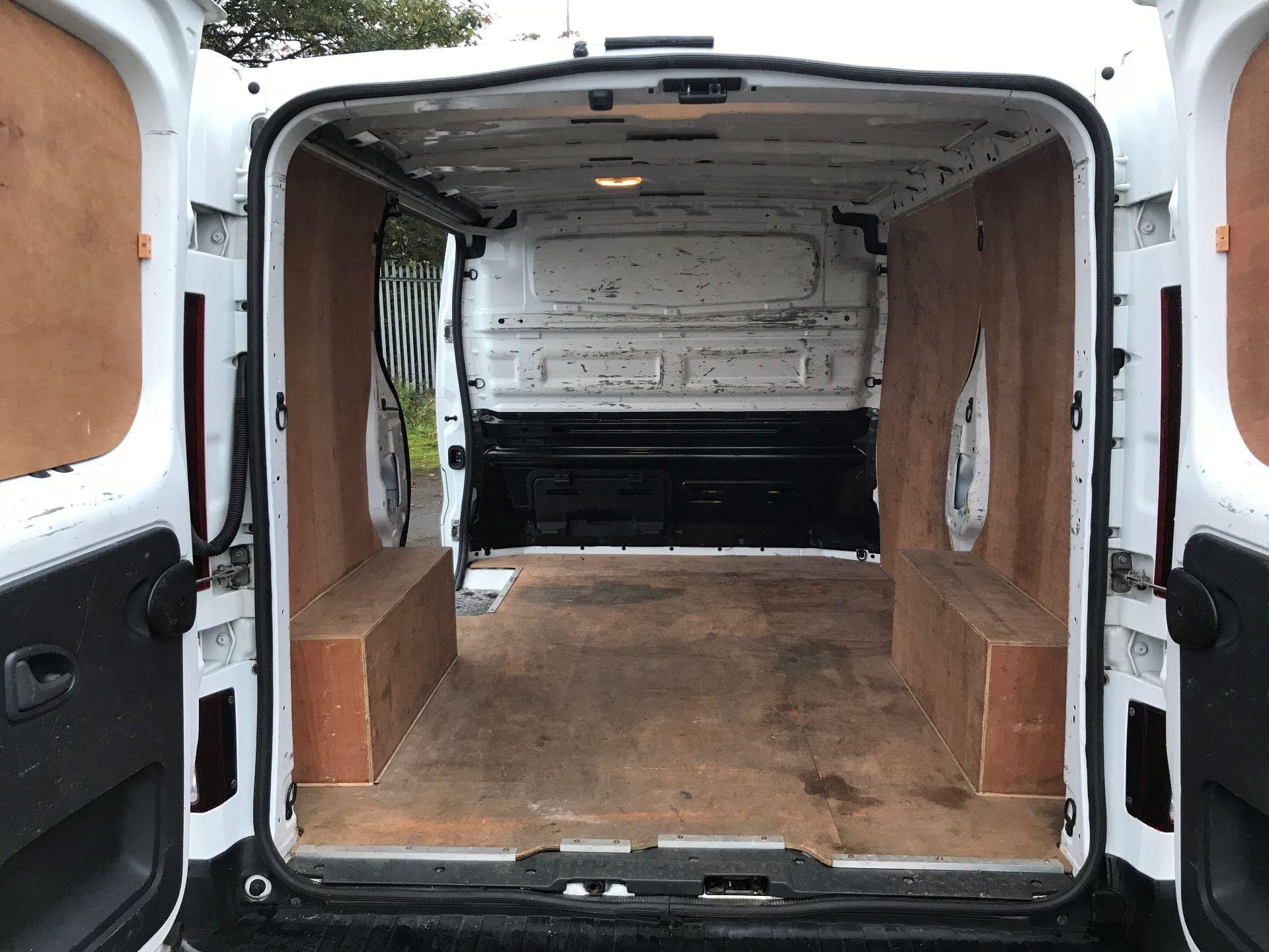 2016 Renault Trafic Sl27 Energy Dci 120 Business+ Van (MM16FFY) Image 16