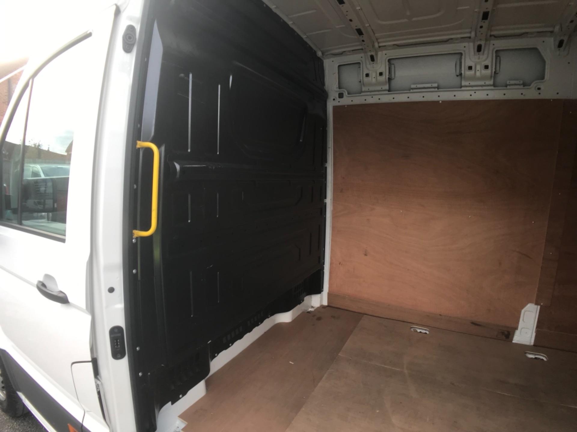 2018 Volkswagen Crafter 2.0 Tdi 102Ps Startline High Roof Van (MT18TWP) Image 18