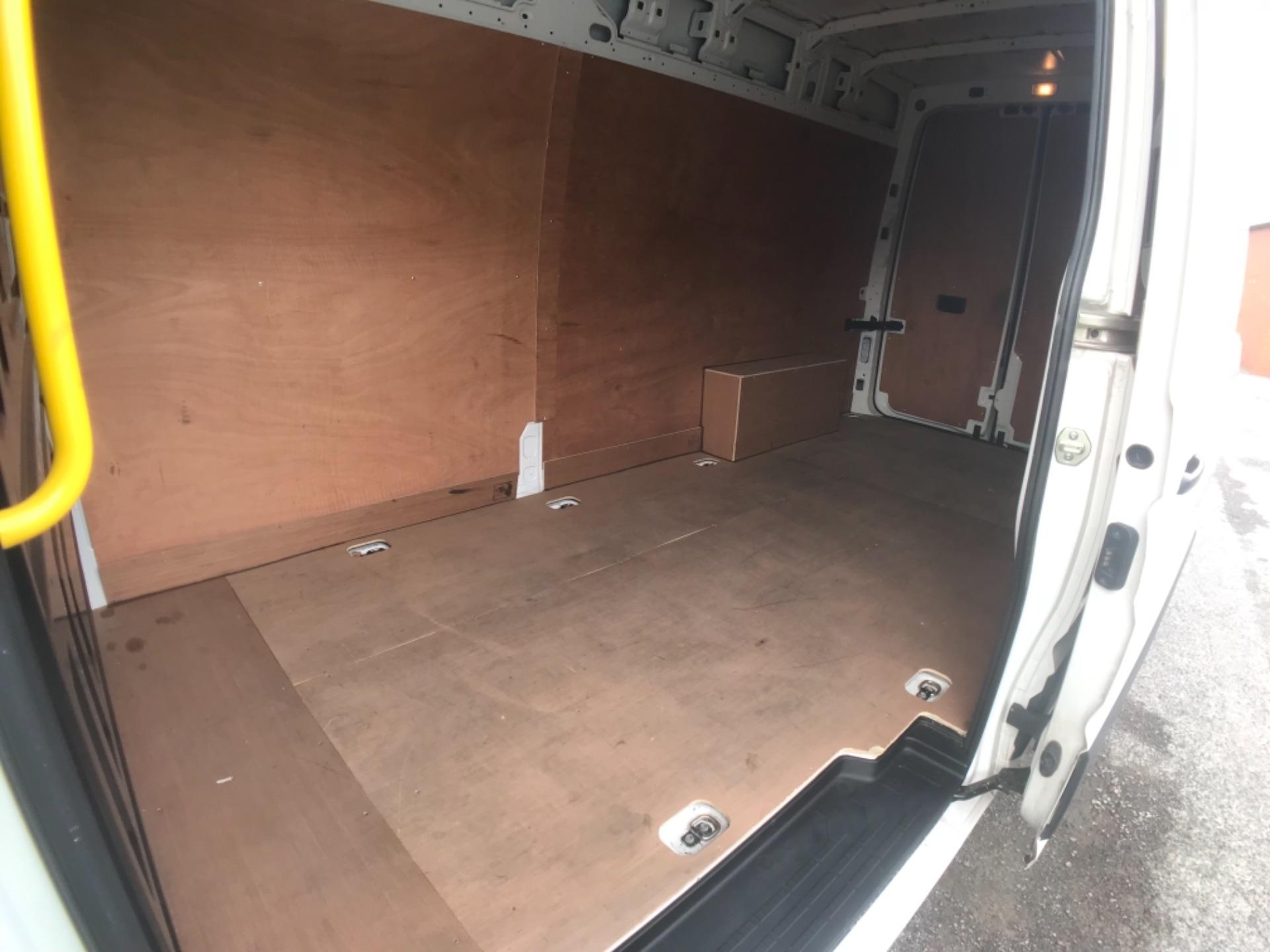 2018 Volkswagen Crafter 2.0 Tdi 102Ps Startline High Roof Van (MT18TWP) Image 19