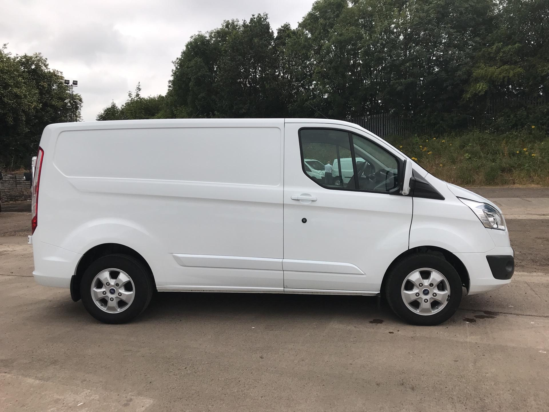 2016 Ford Transit Custom 270 L1 DIESEL FWD 2.2  TDCI 125PS LOW ROOF LIMITED VAN EURO 5 (NA16GKK) Image 2