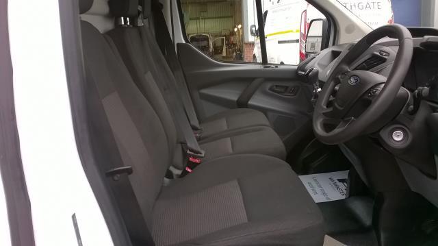 2014 Ford Transit Custom 290 L1 DIESEL FWD 2.2  TDCI 100PS LOW ROOF VAN EURO 5 (NA64BZU) Image 20