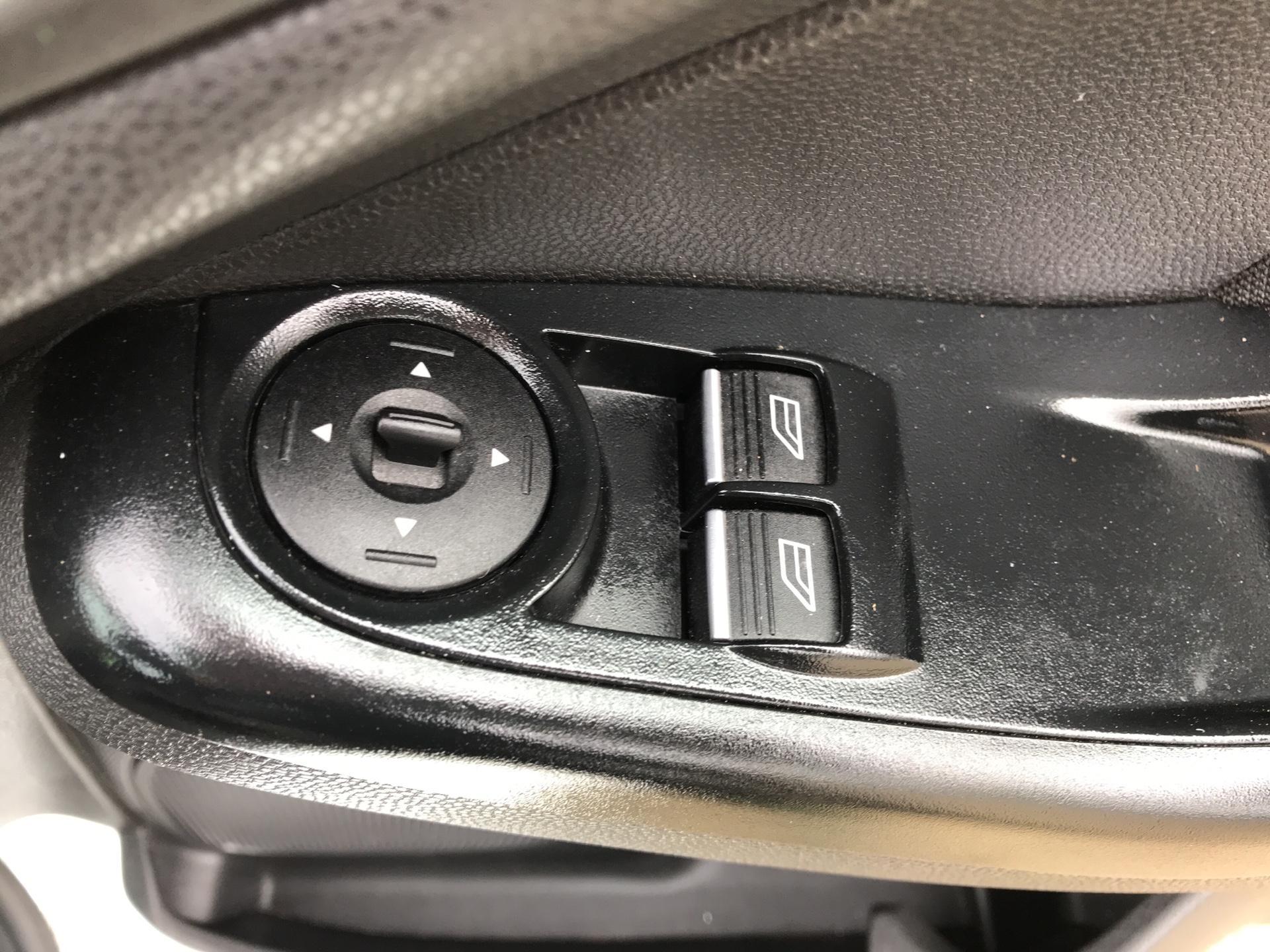 2014 Ford Fiesta 1.5 Tdci Van (NA64LLR) Image 16