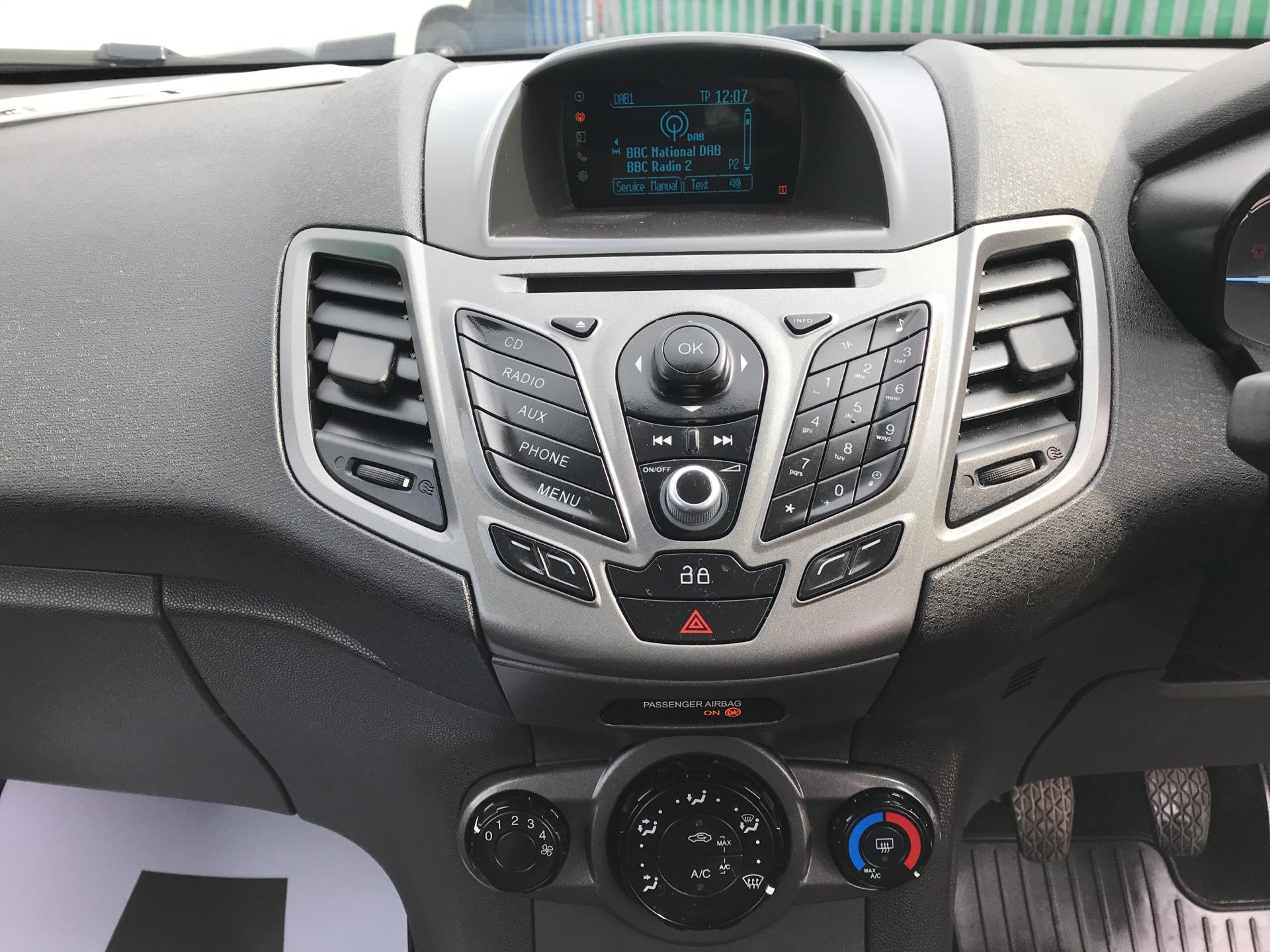 2014 Ford Fiesta 1.5 Tdci Van (NA64LLR) Image 10
