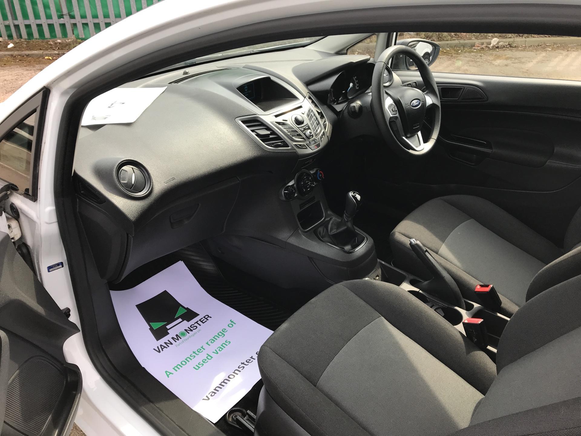 2014 Ford Fiesta 1.5 Tdci Van (NA64LLR) Image 14