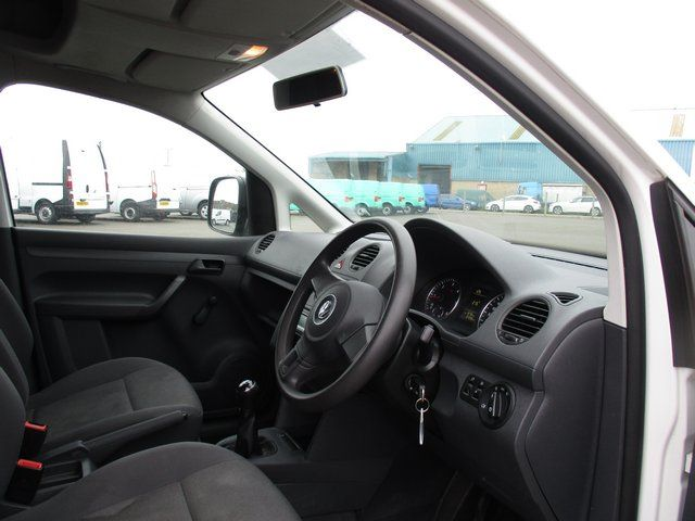 2014 Volkswagen Caddy 1.6 102PS STARTLINE EURO 5 (NA64ZDP) Image 13