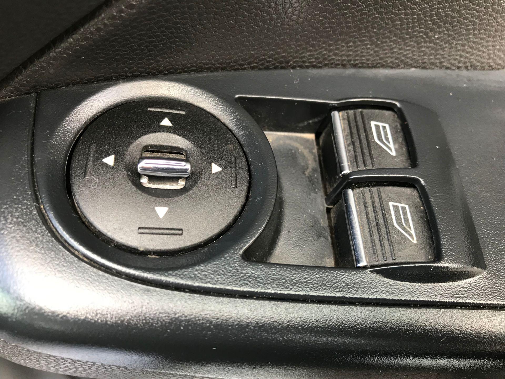 2014 Ford Fiesta DIESEL 1.5 TDCI VAN EURO 5 (ND14EBZ) Image 16