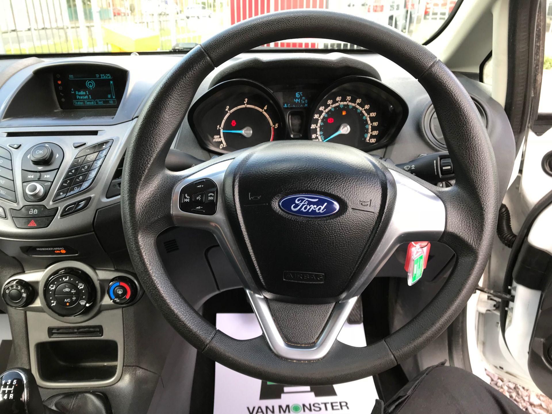 2014 Ford Fiesta DIESEL 1.5 TDCI VAN EURO 5 (ND14EBZ) Image 12