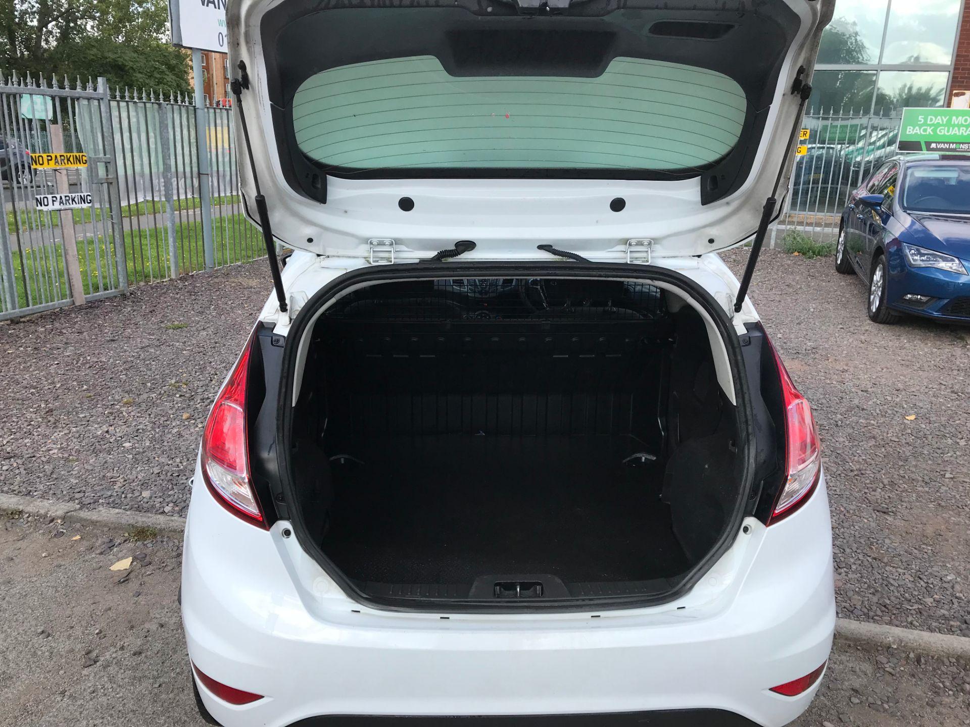 2014 Ford Fiesta DIESEL 1.5 TDCI VAN EURO 5 (ND14EBZ) Image 5